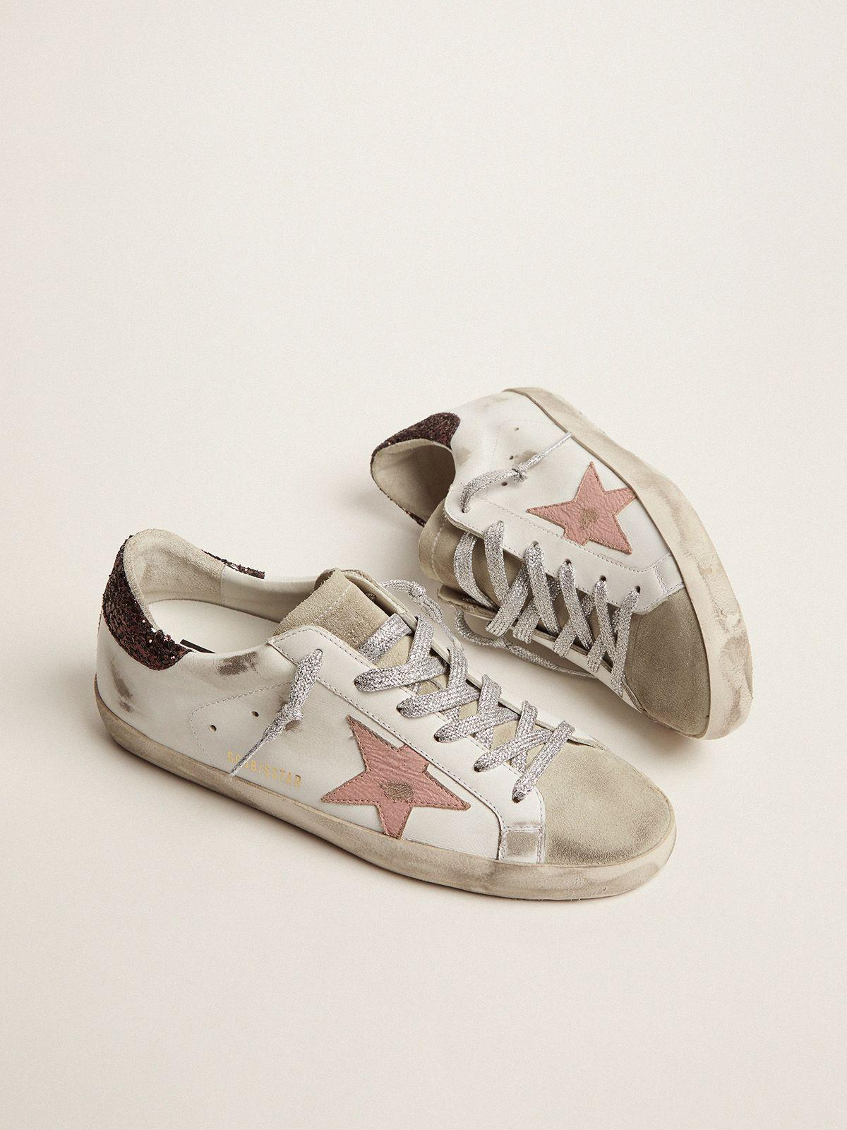 Super-Star sneakers with brown glitter heel tab and pink crackled leather star 1
