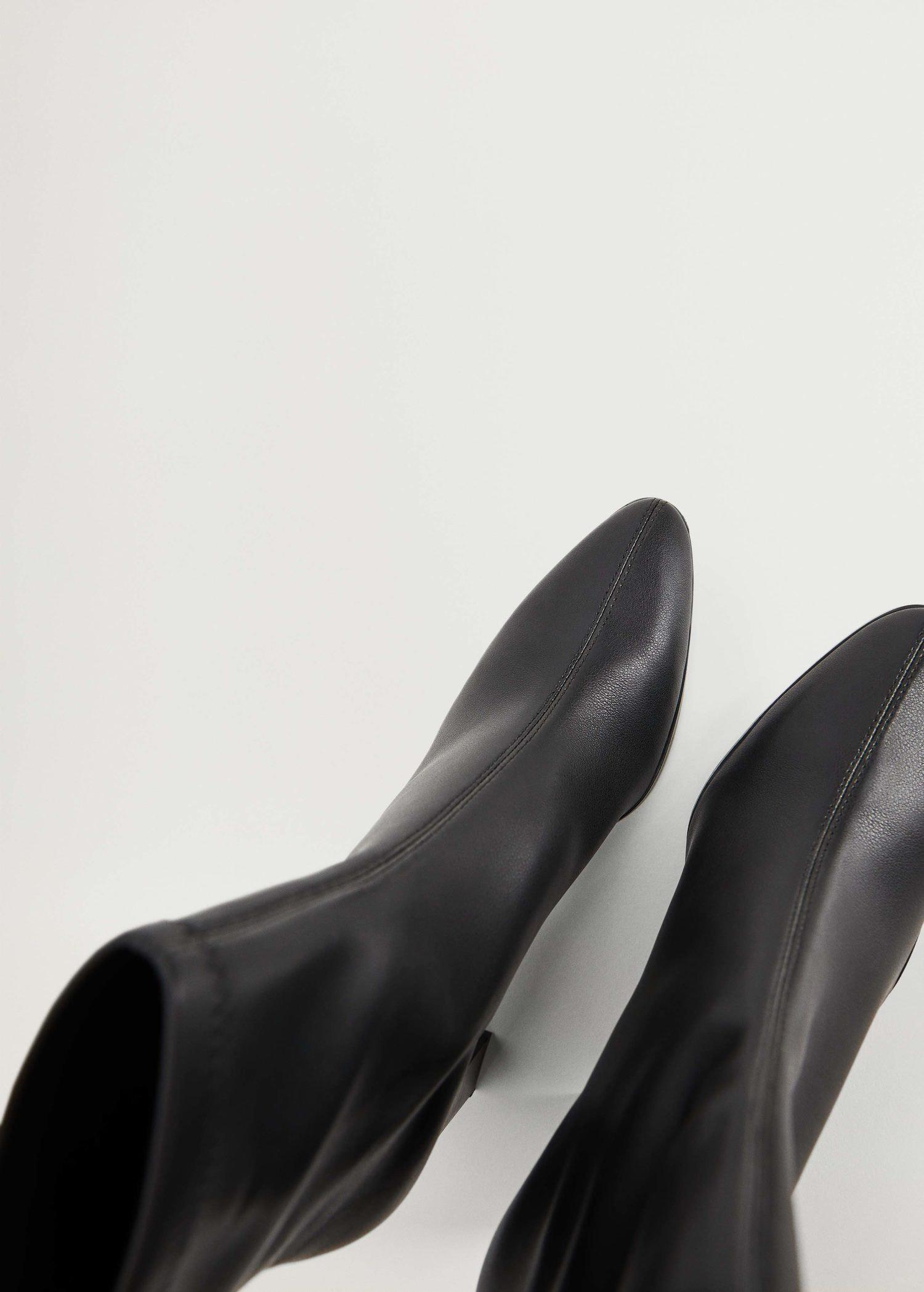 Elastic heeled ankle boot 3
