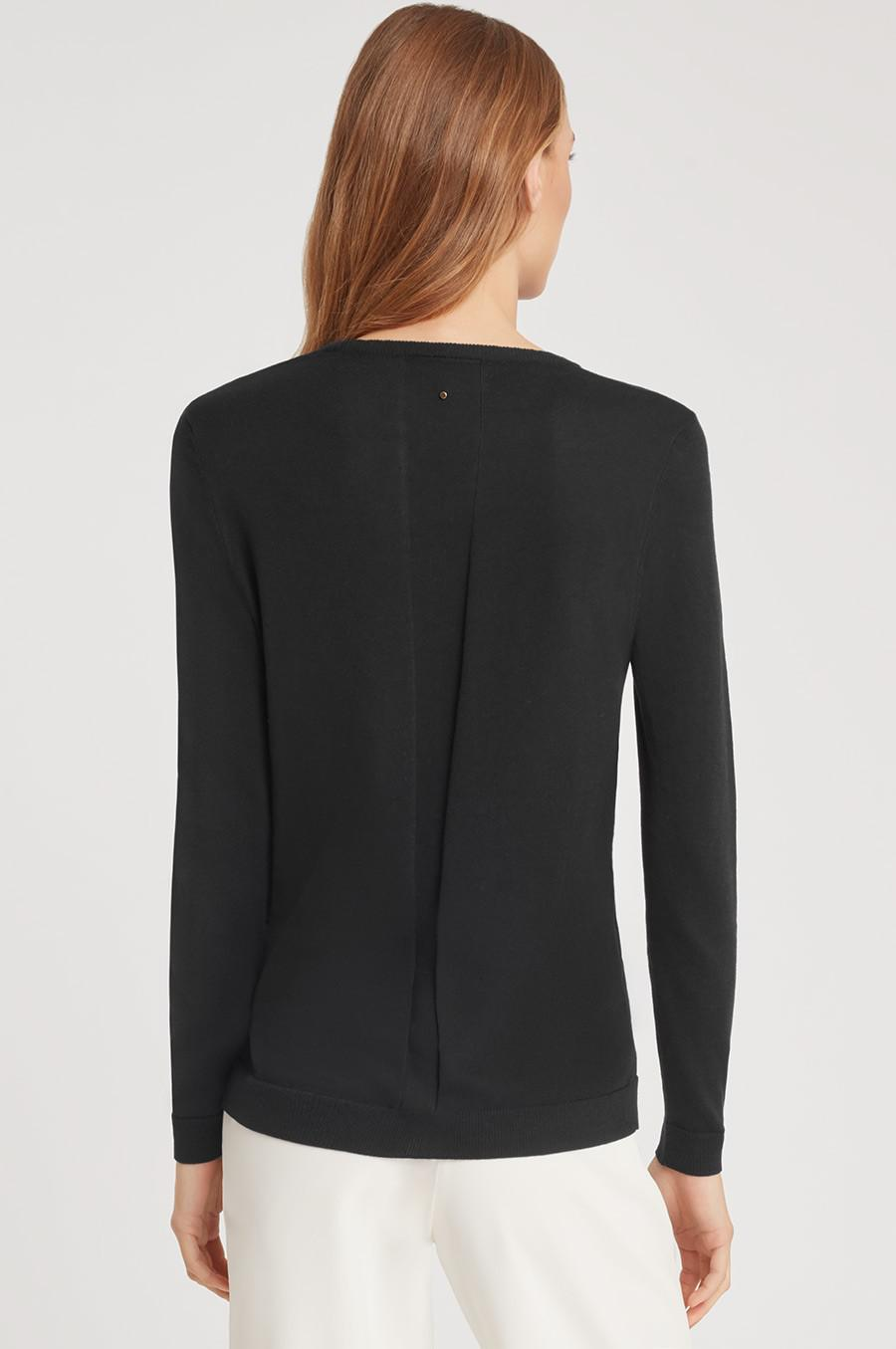 Women's Classic Cotton Cashmere V-Neck Sweater in Black | Size: XS | Cotton Blend by Cuyana 2
