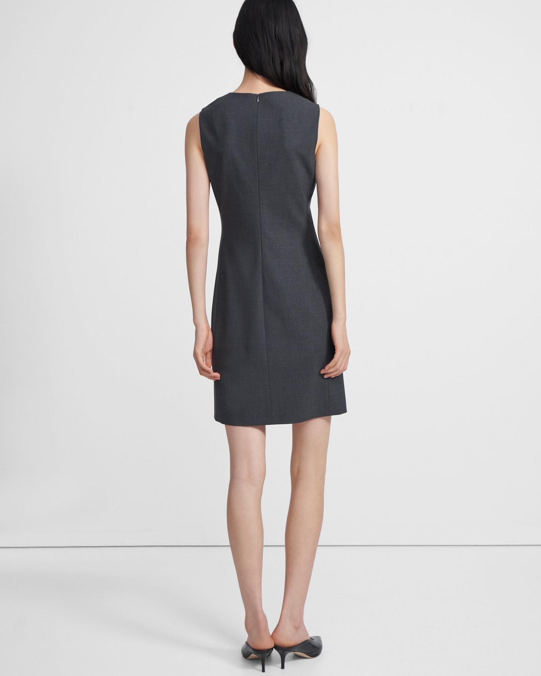 Sleeveless Fitted Dress in Good Wool 2