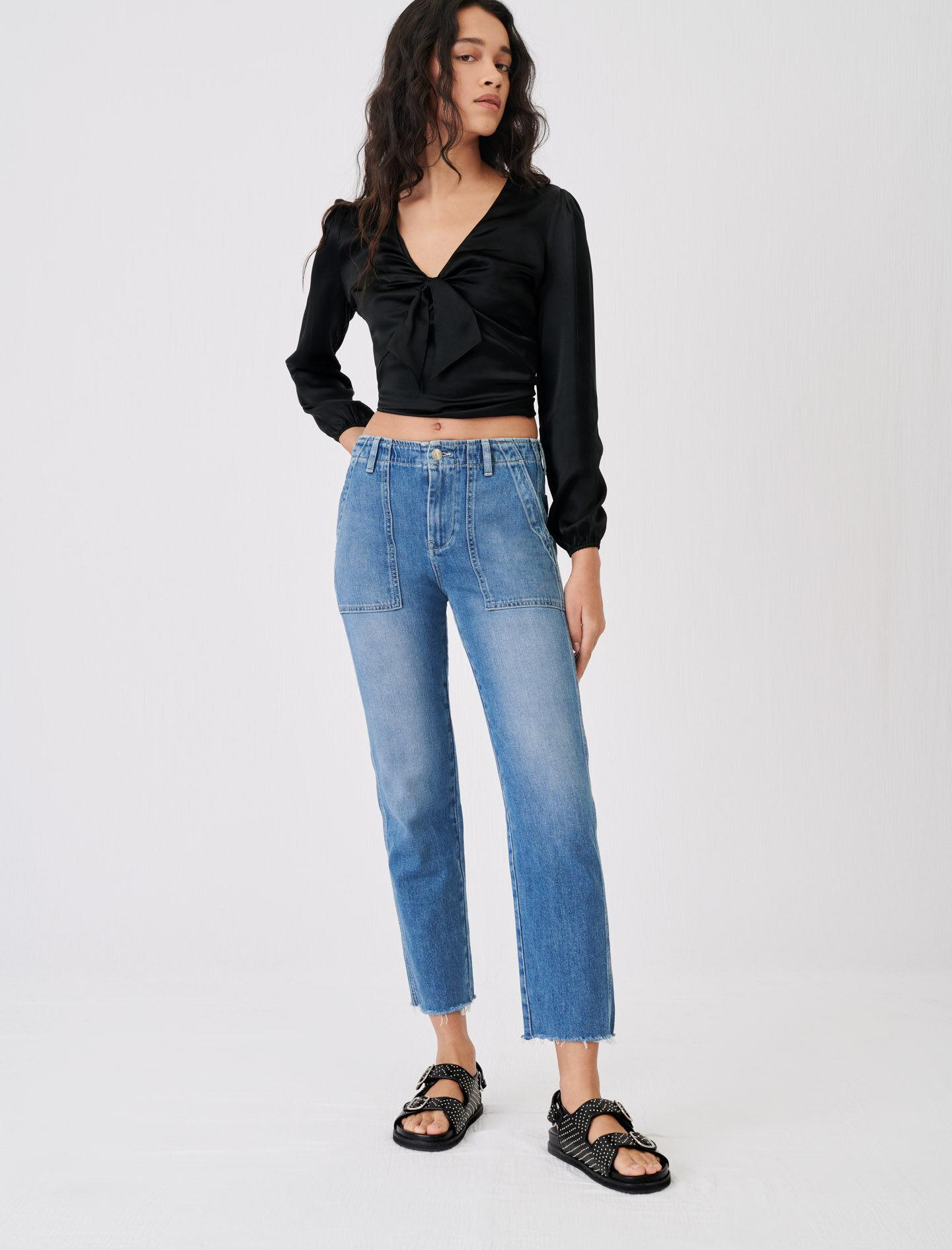 JEANS WITH TOPSTITCHED POCKETS