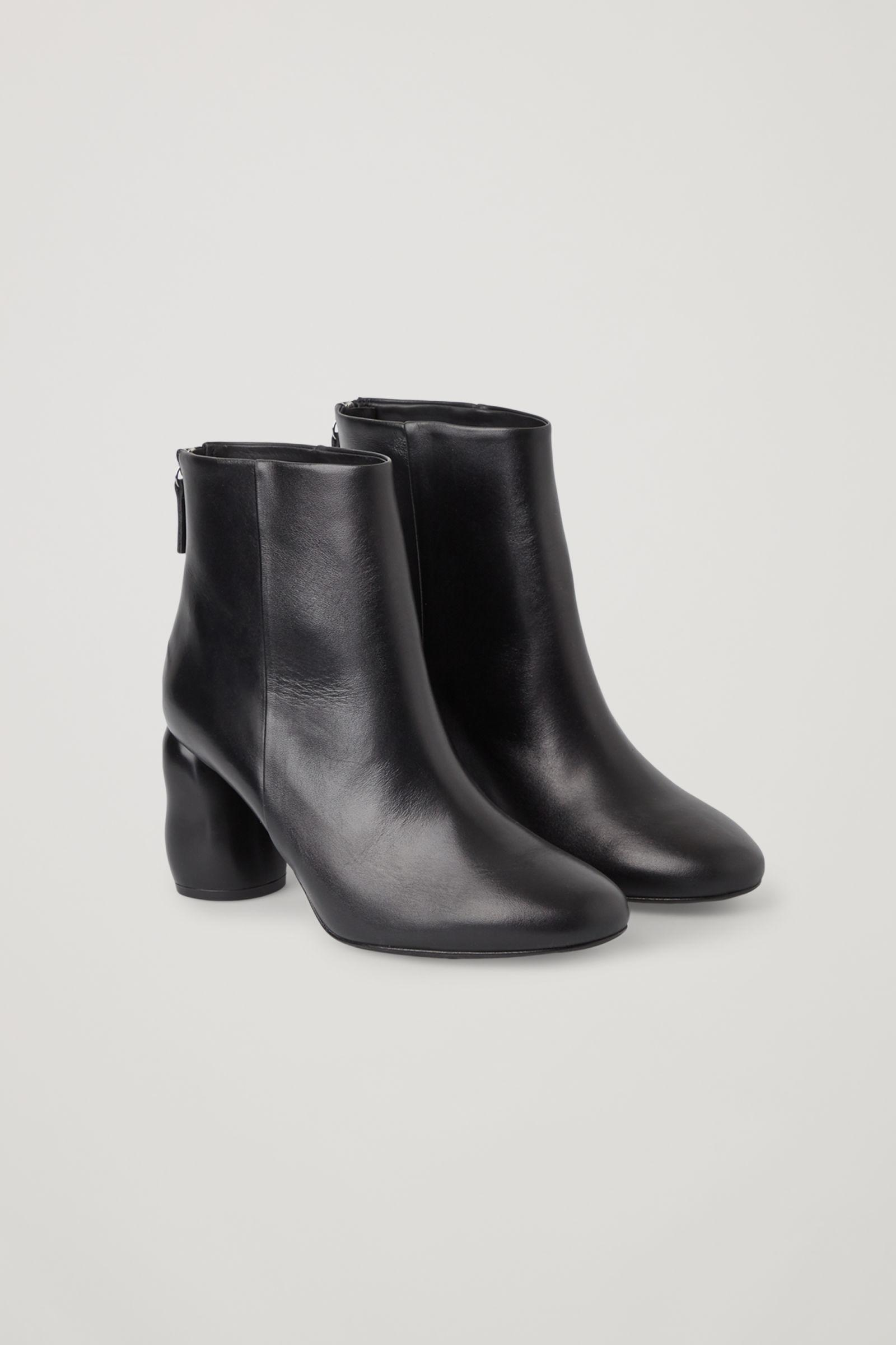 HEELED LEATHER ANKLE BOOTS