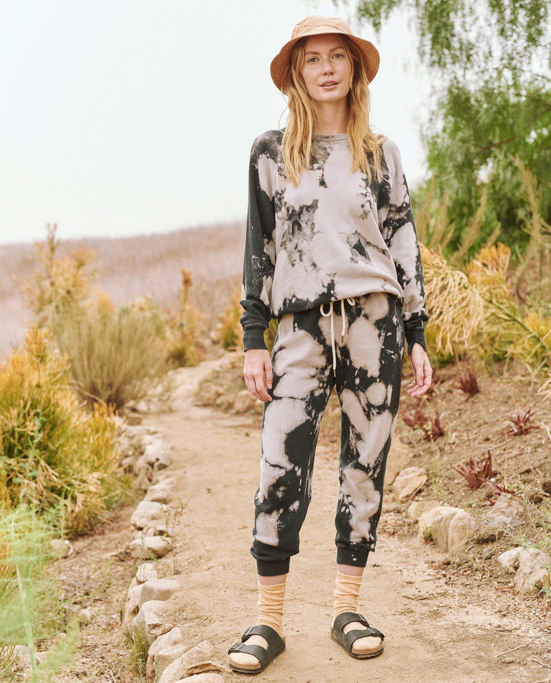 The Cropped Sweatpant. Novelty -- Black Cloud Wash