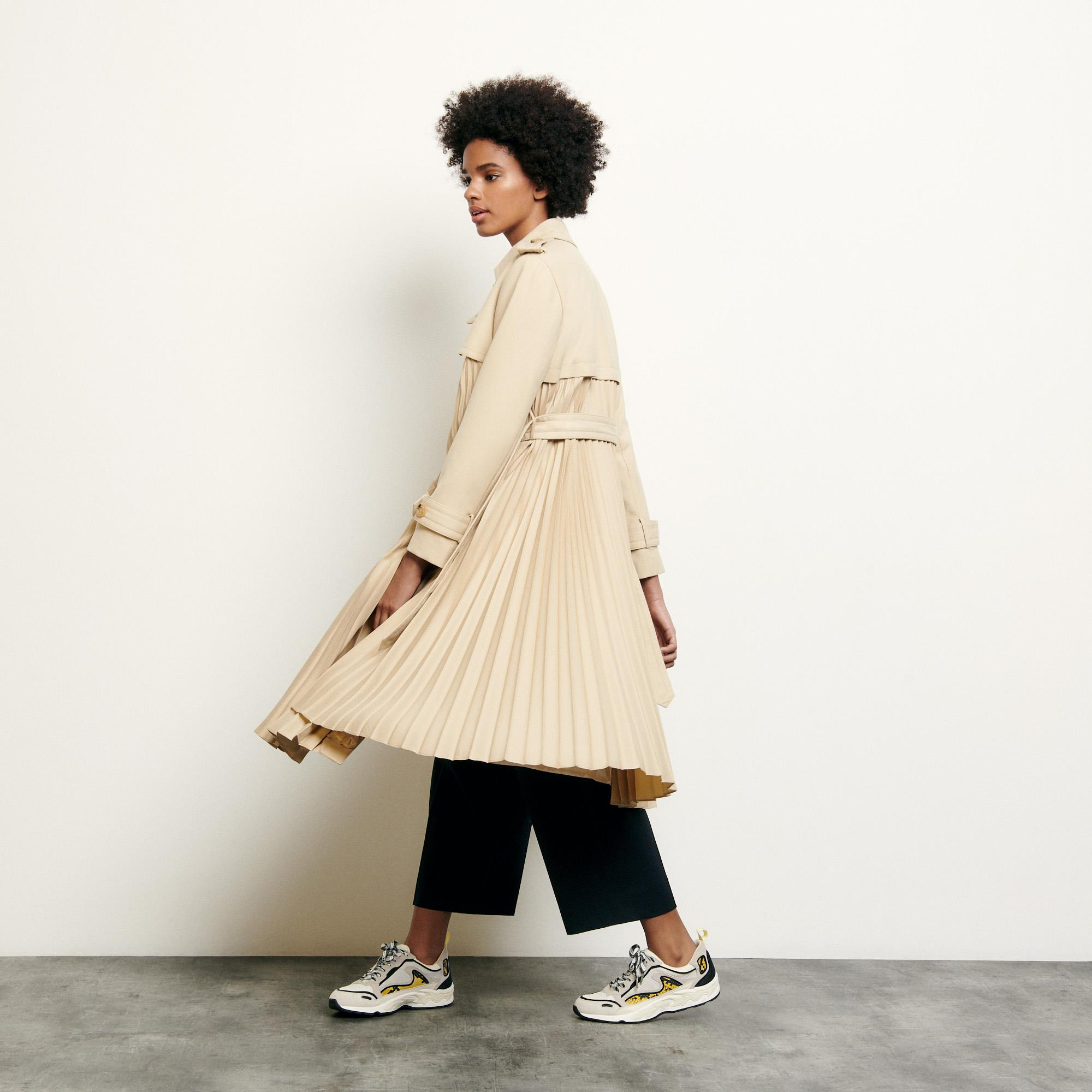 Pleated trench coat with belt