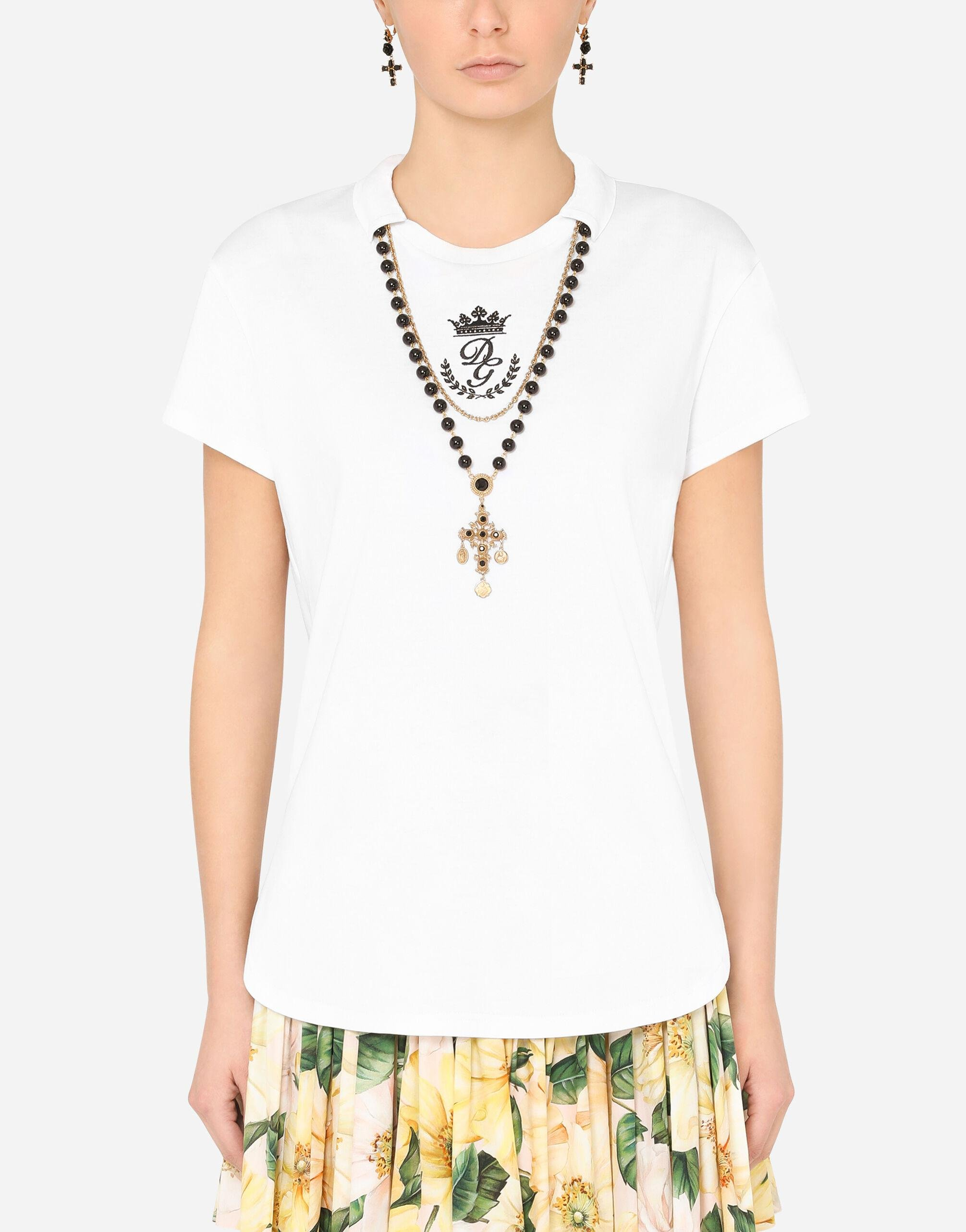 Round-neck jersey t-shirt with necklace