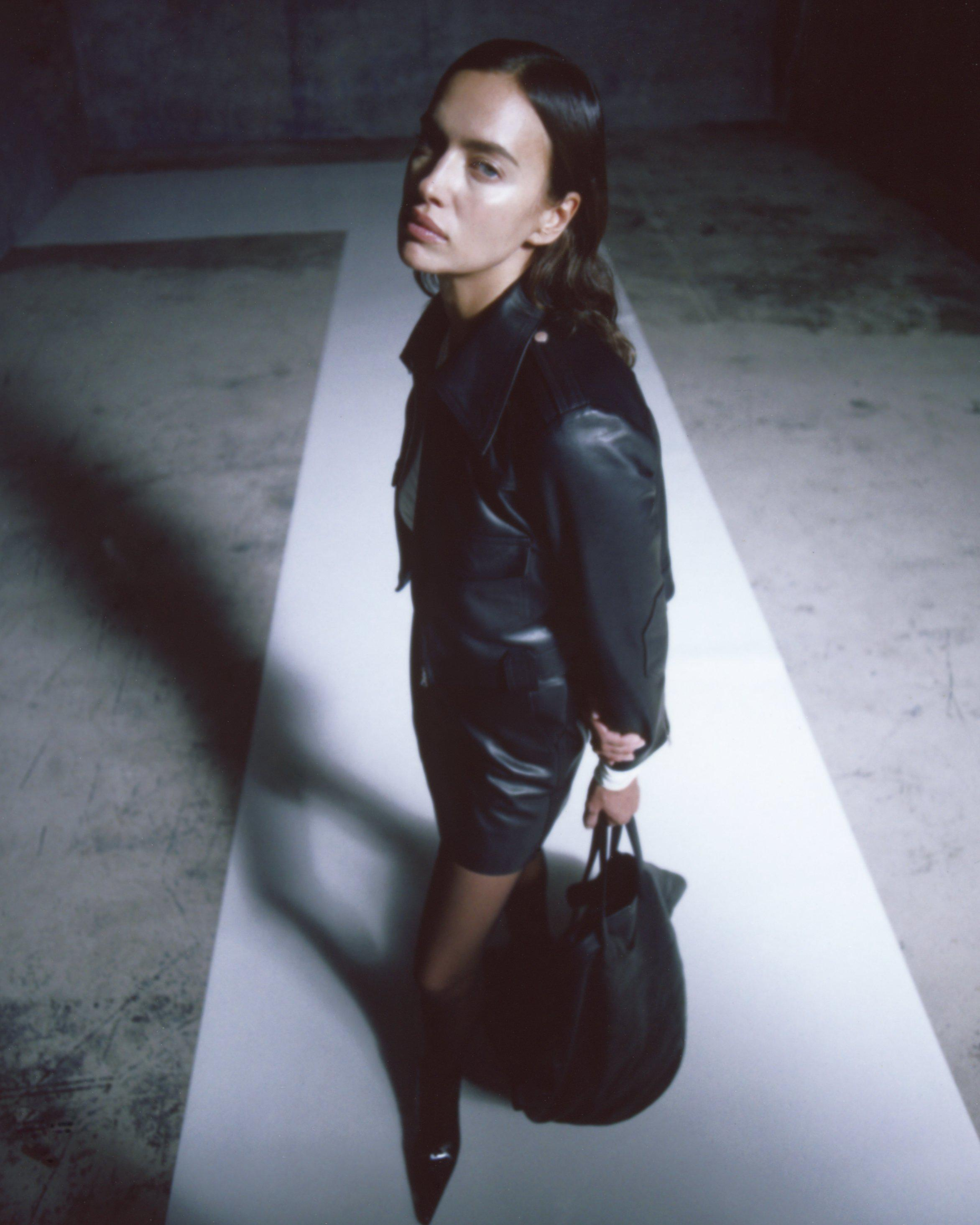 The Giulia Skirt in Black Leather 6