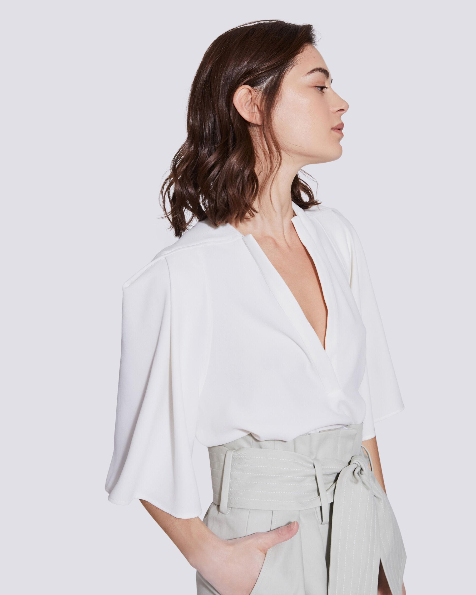 LATOD PLEATED CROPPED V NECK TOP 4