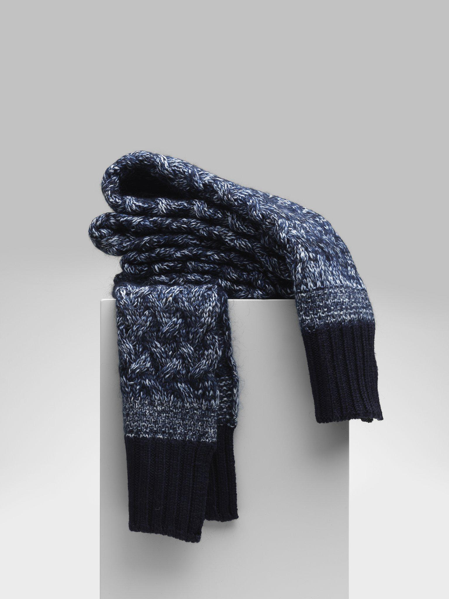 EXTRA-LARGE WOOL SCARF