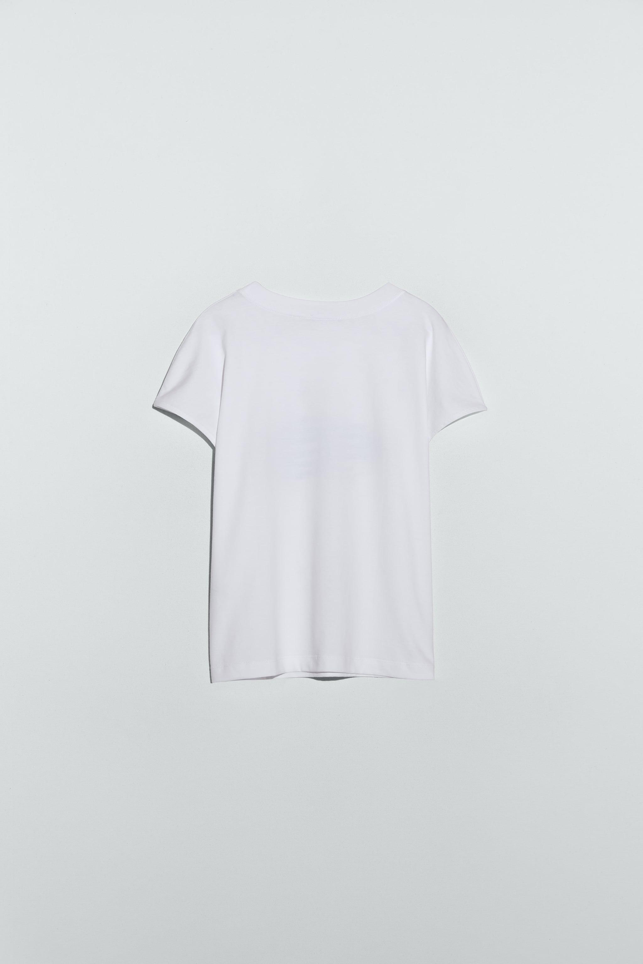 T-SHIRT WITH WOMAN PRINT 2