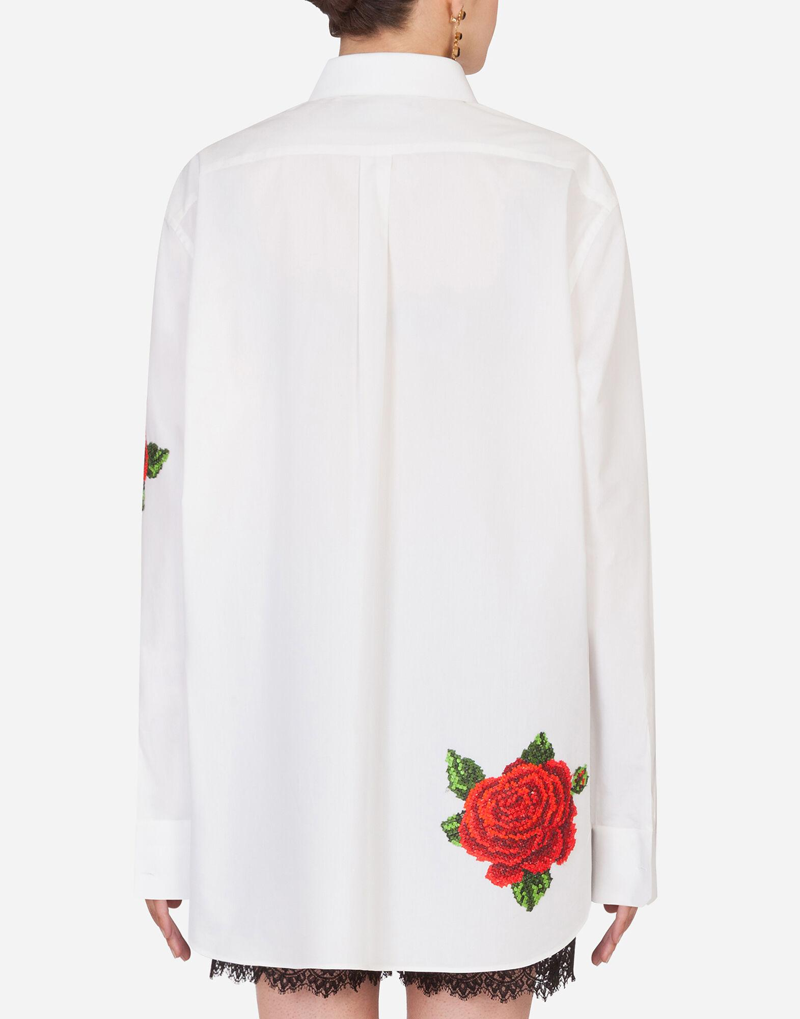 Shirt with hand-embroidered roses 1