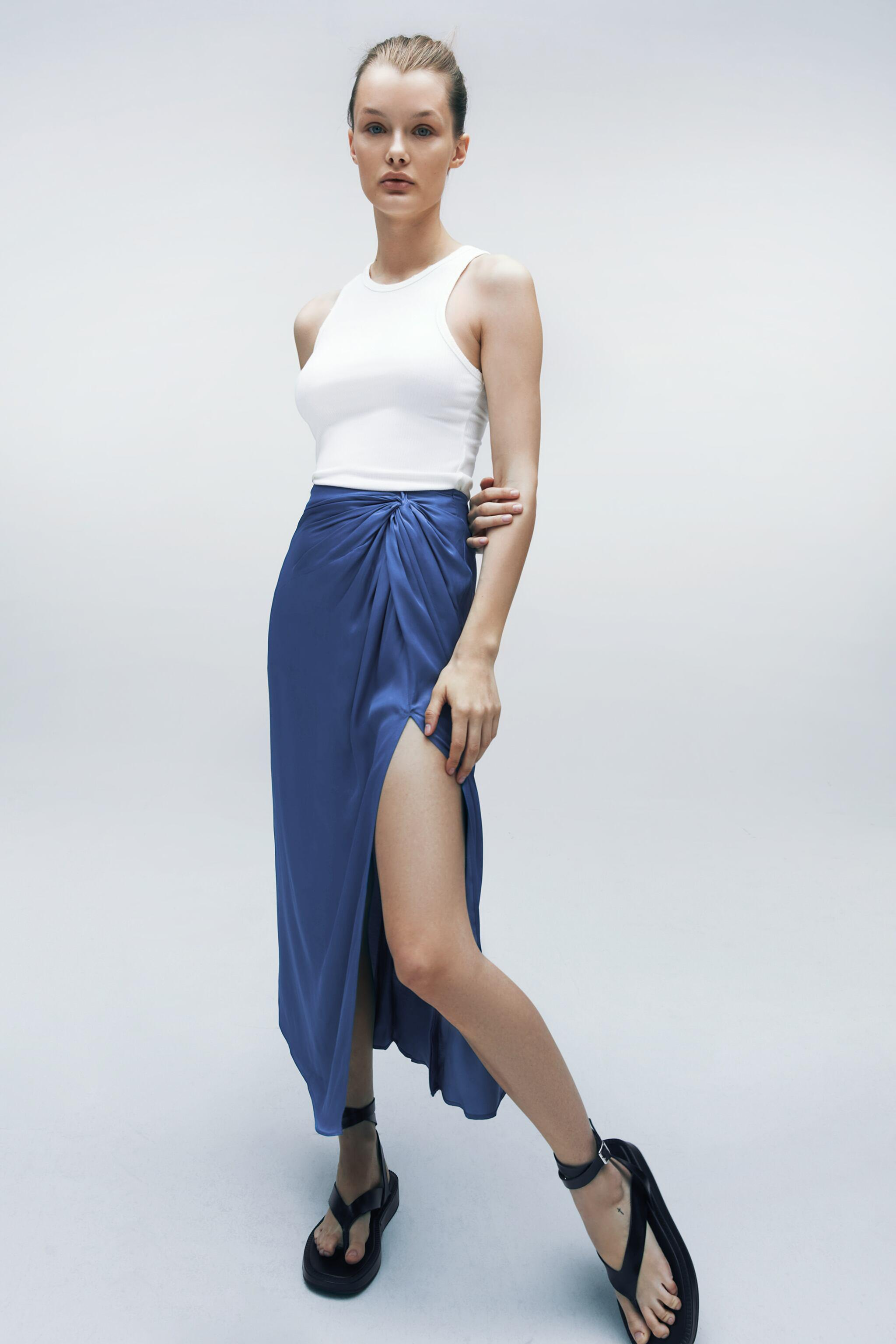 SATIN EFFECT KNOTTED SKIRT