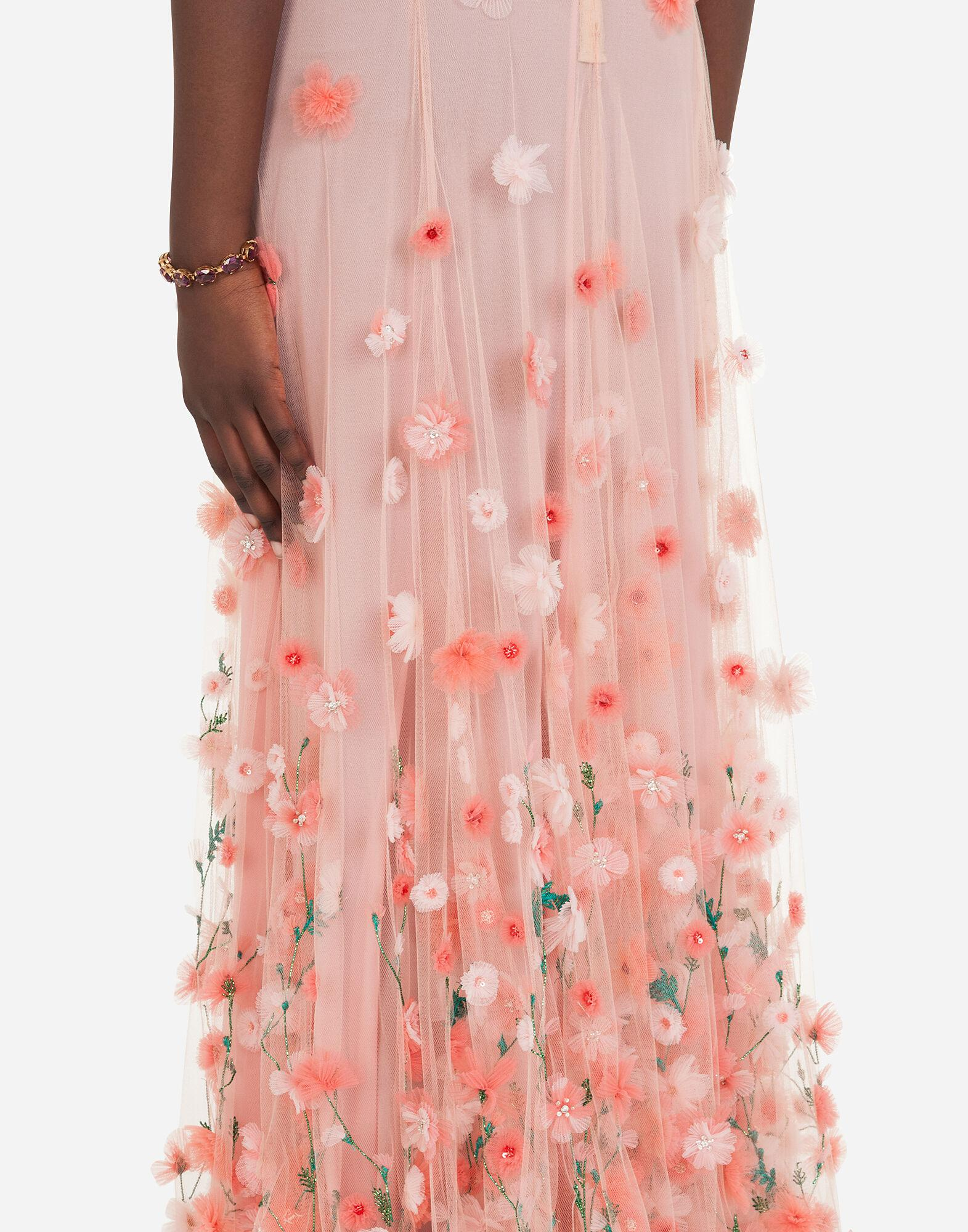 Long dress in tulle with sequins and mini hand-embroidered flowers 2