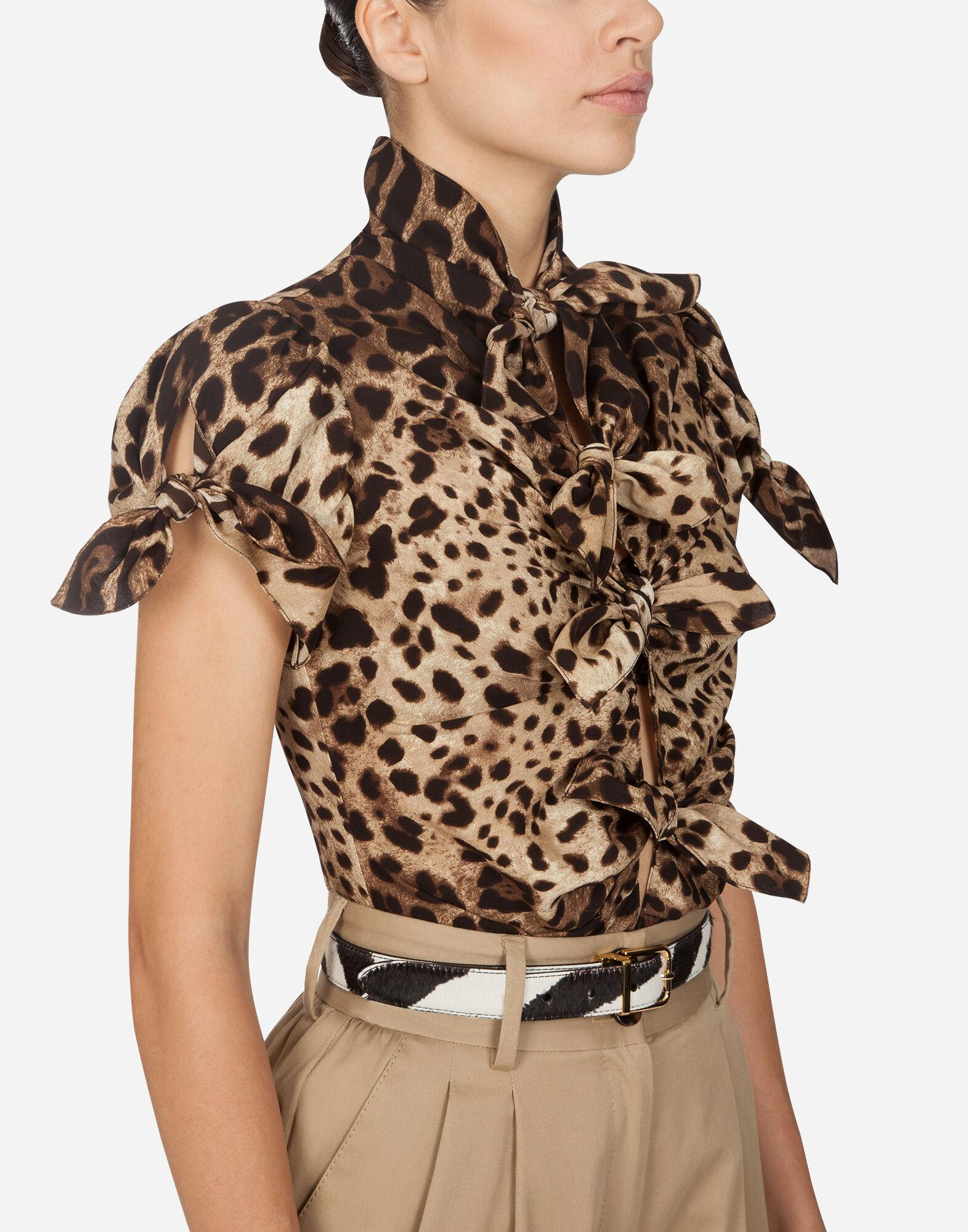 Top in charmeuse with leopard print 2