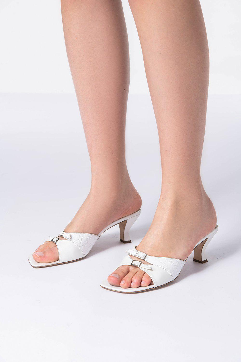 Noor White Gloss Leather 4