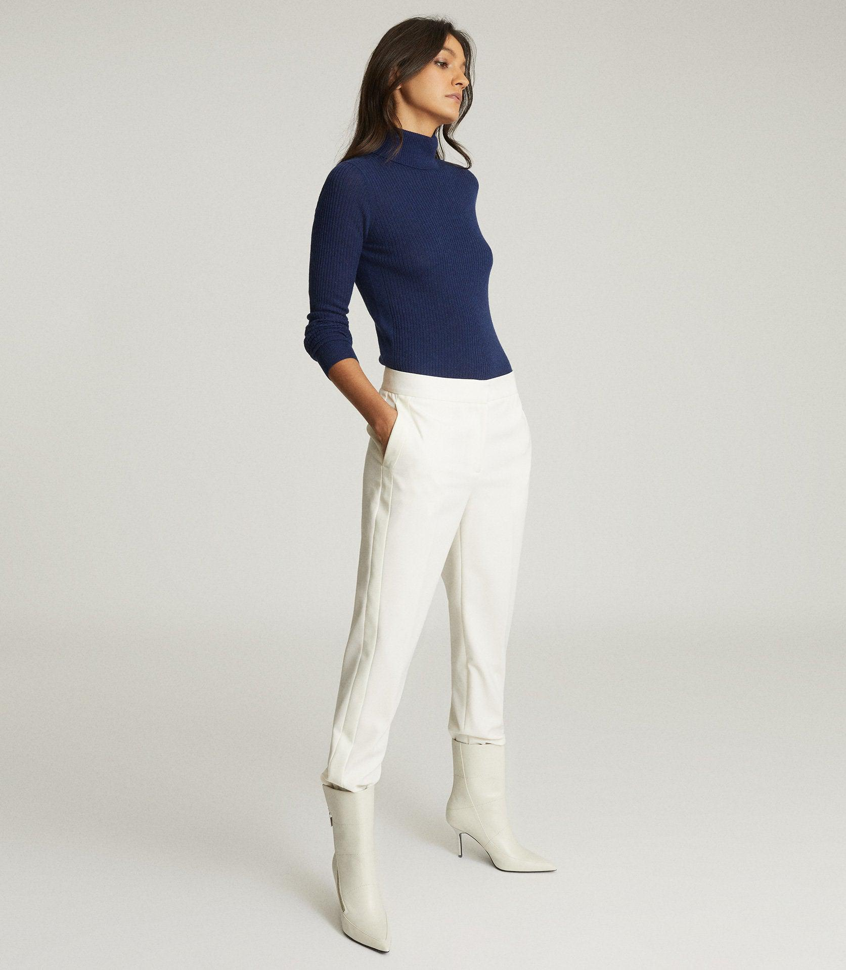 SOPHIE - KNITTED ROLL NECK
