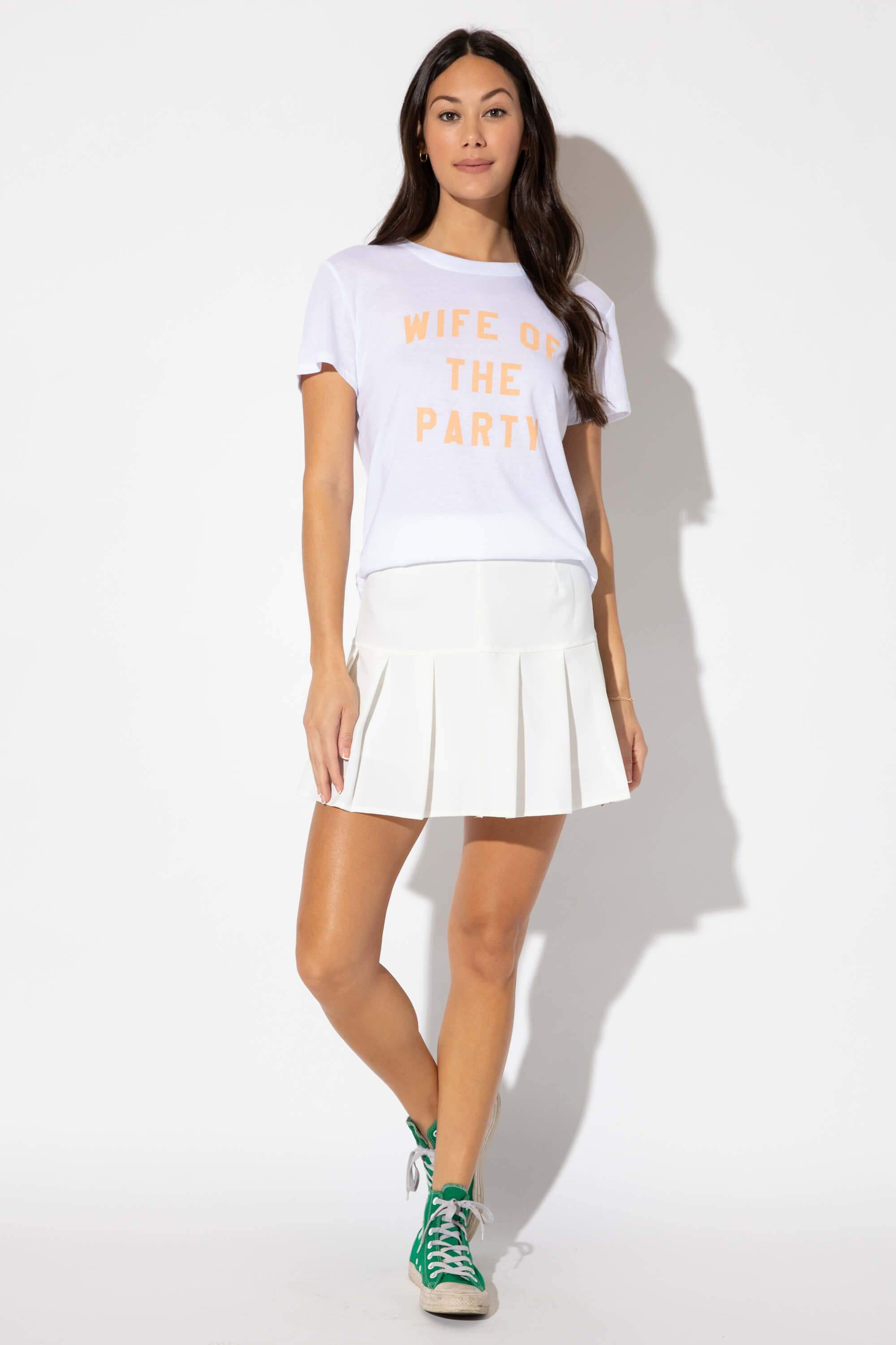 WIFE OF THE PARTY LOOSE TEE 1