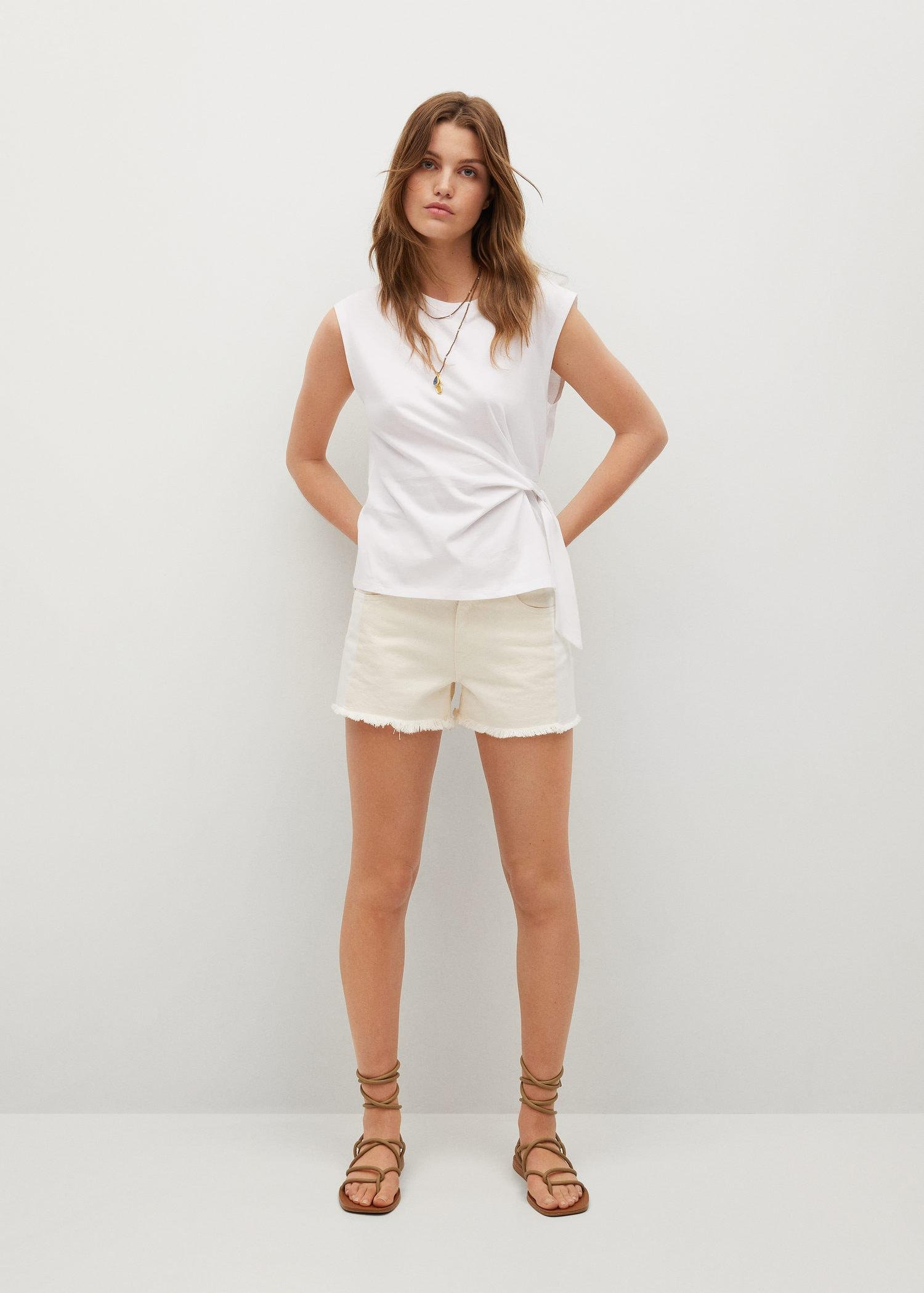 Recycled cotton t-shirt with knot 1