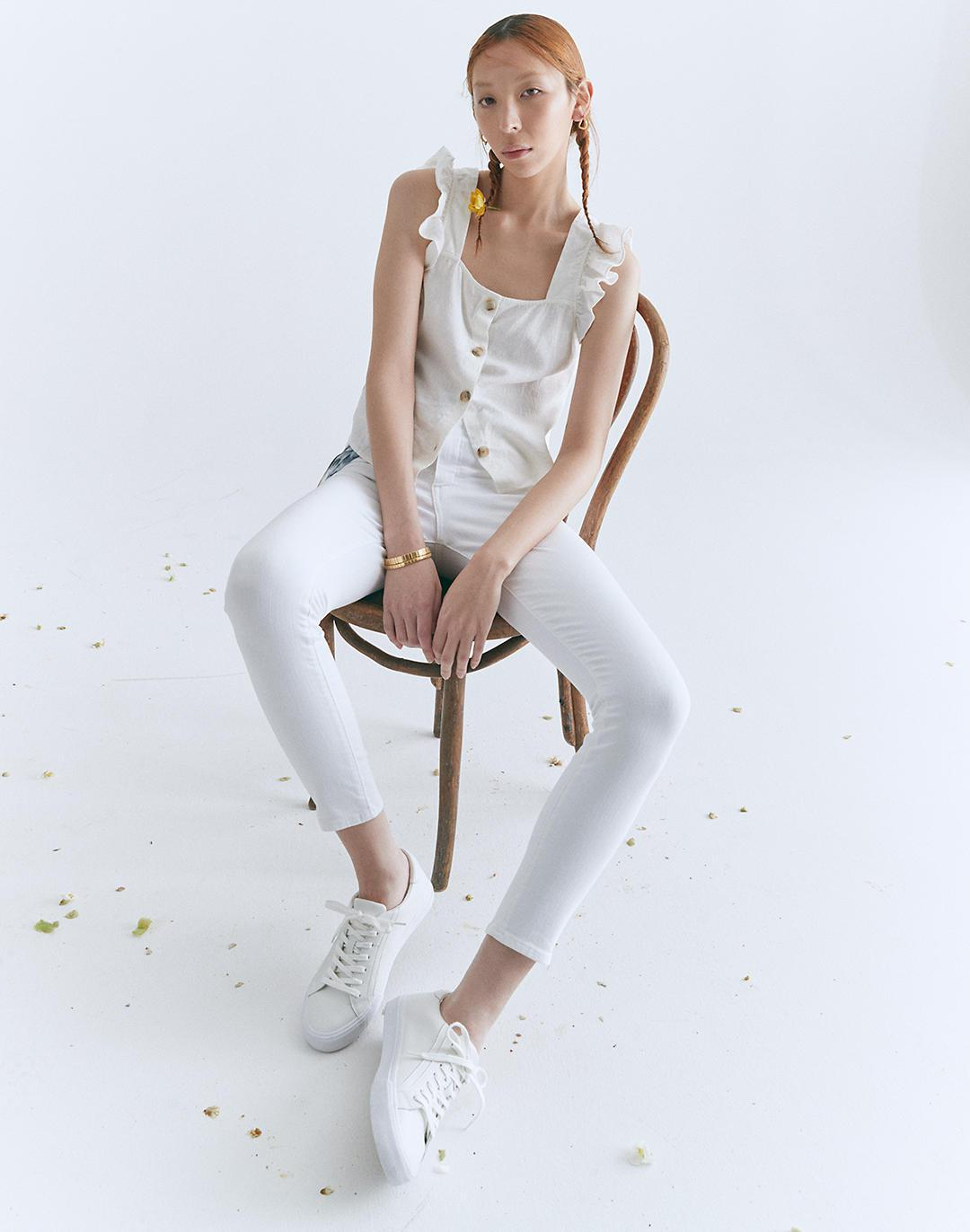 """9"""" Mid-Rise Skinny Crop Jeans in Pure White 4"""