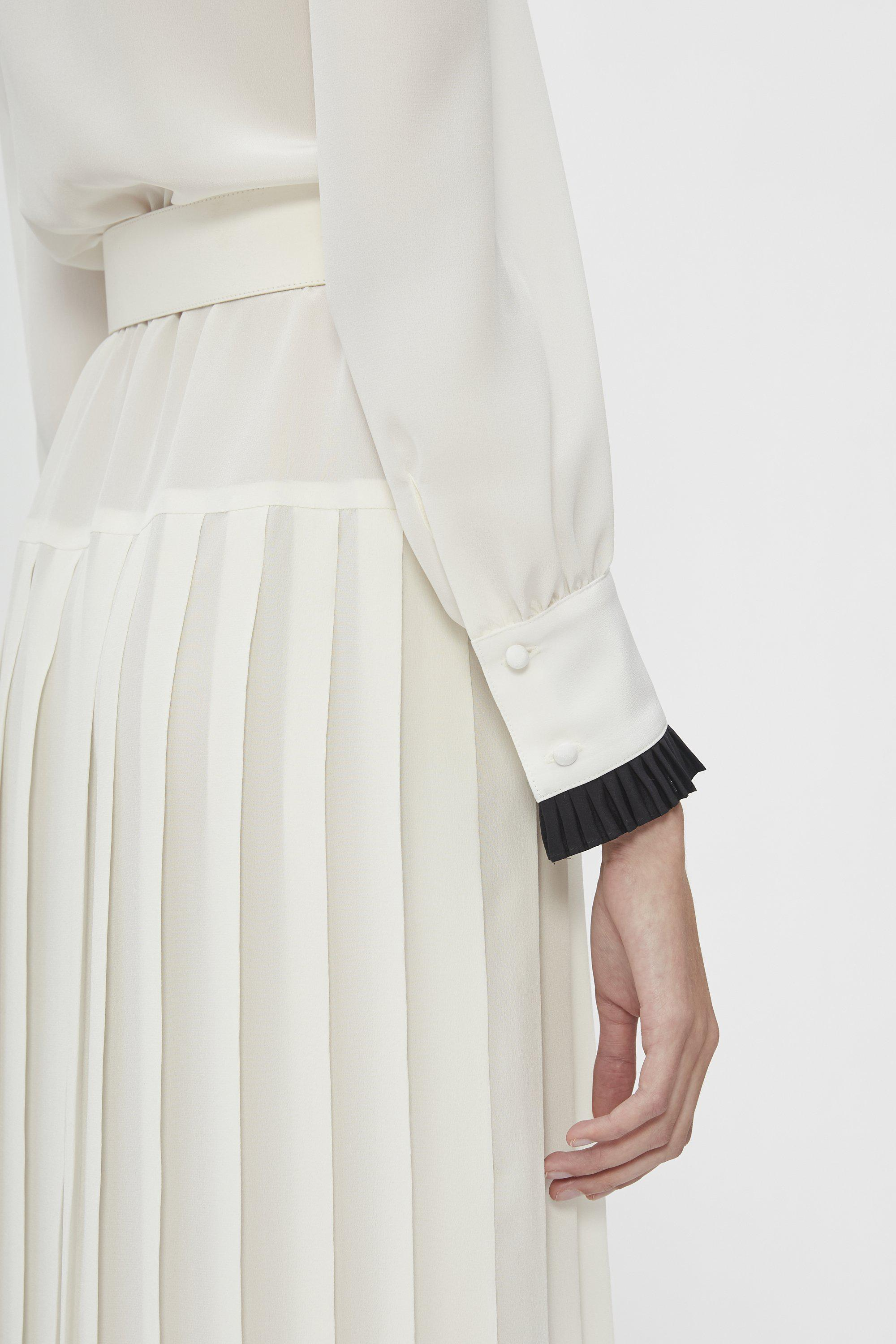 OFF WHITE AND BLACK BELTED SILK PLEATED COLLAR DRESS 4