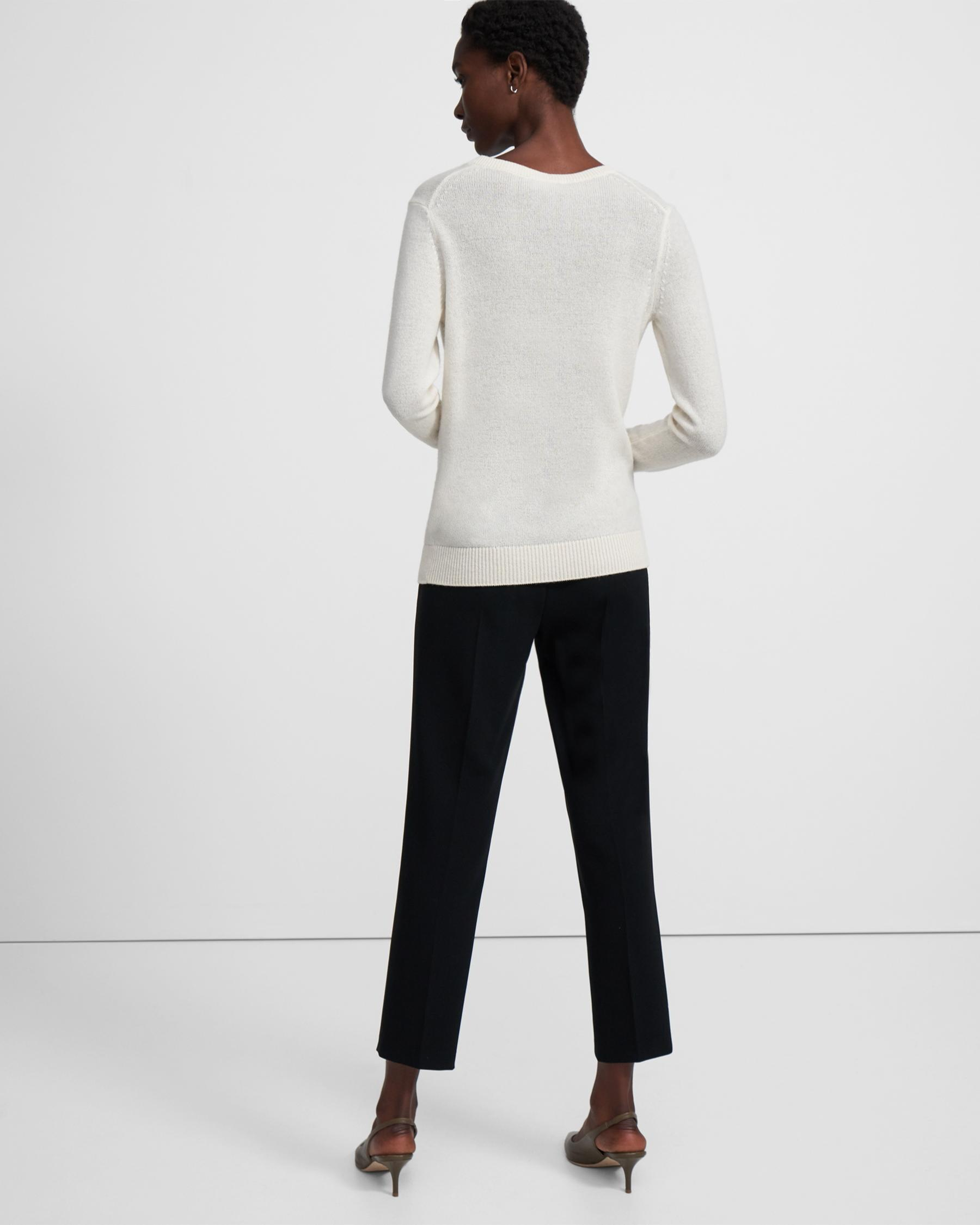 V-Neck Sweater in Feather Cashmere 1