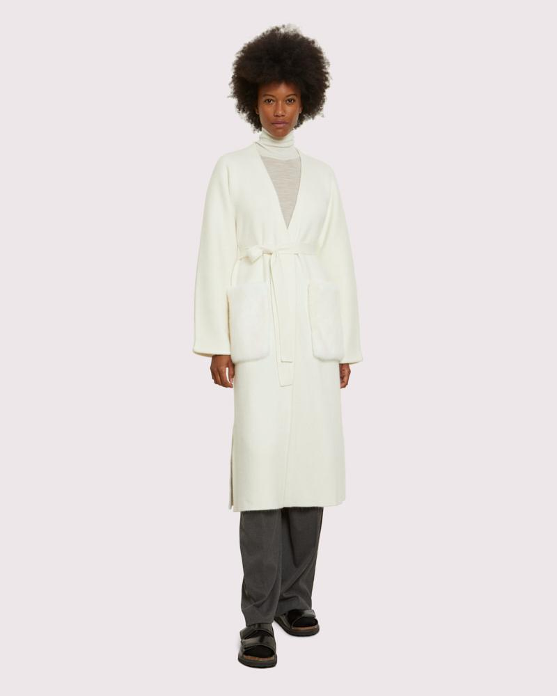 long knit coat with mink pockets