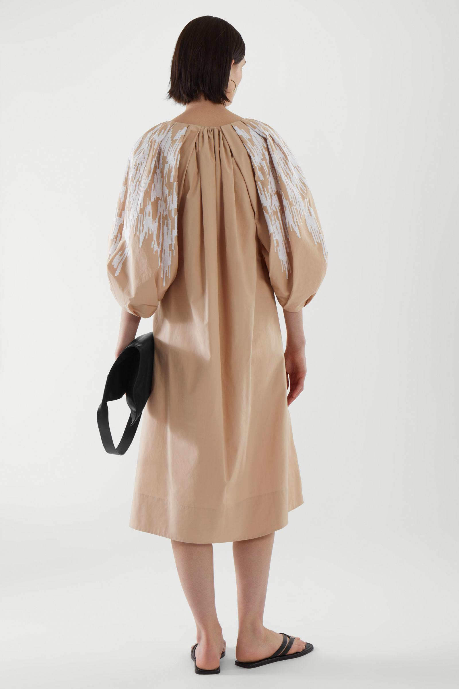 EMBROIDERED PUFF SLEEVE DRESS 3