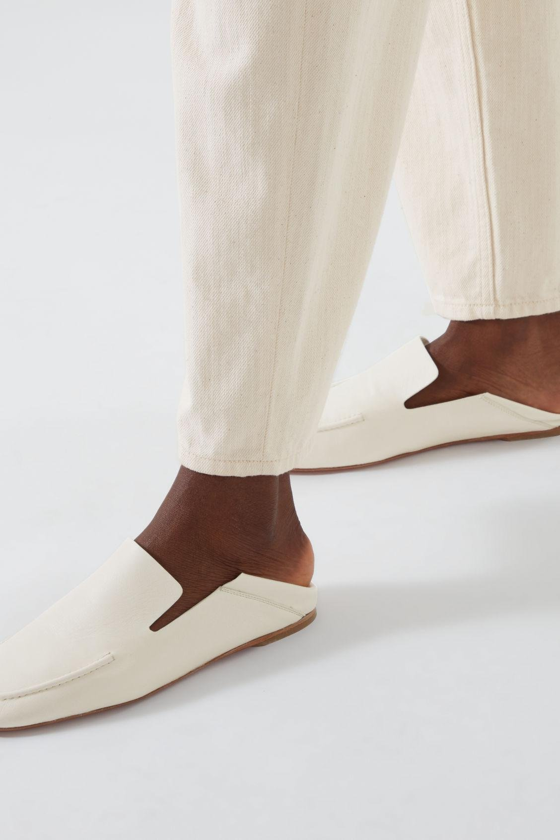 LEATHER LOAFERS 9