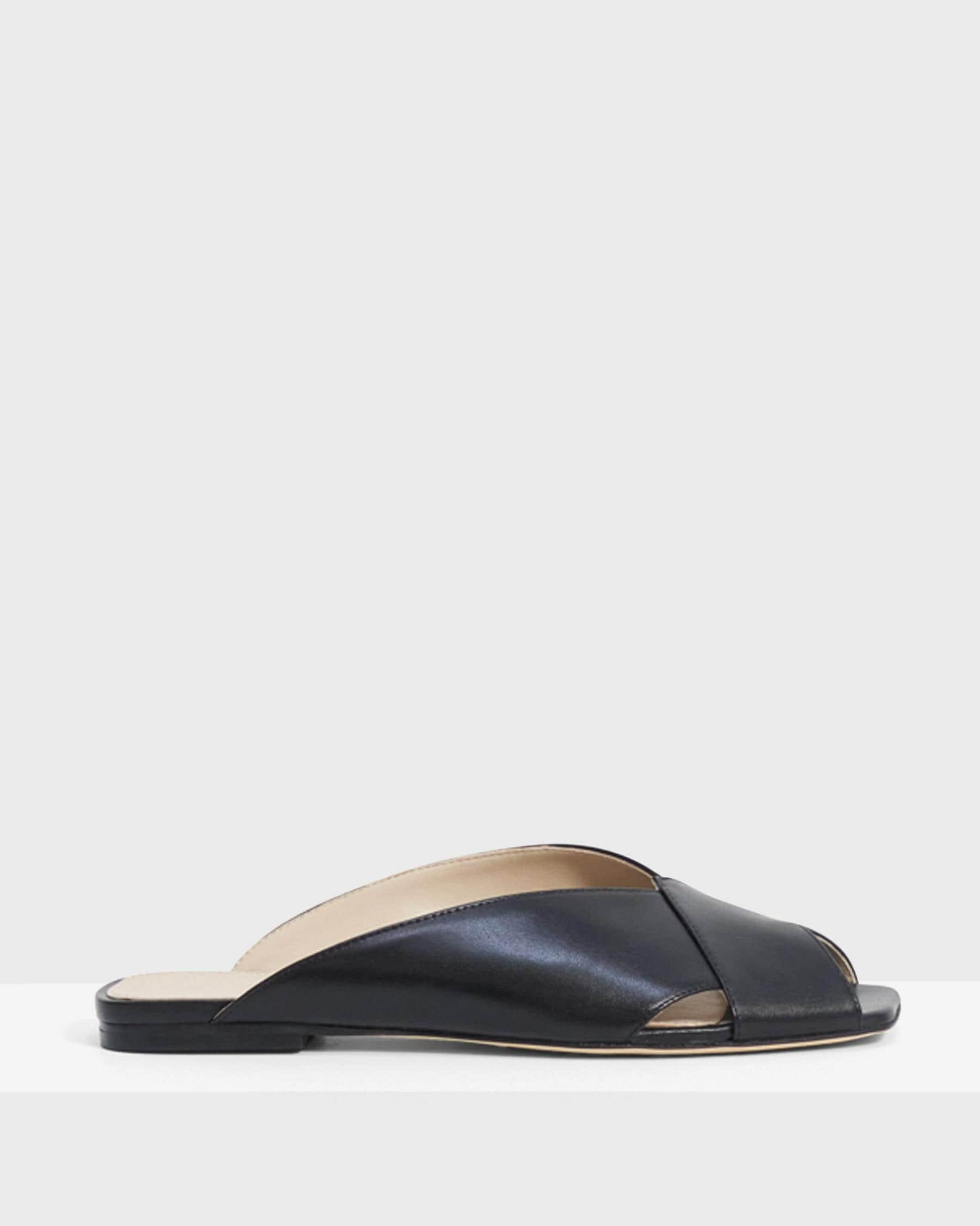 V Flat Mule in Leather 5