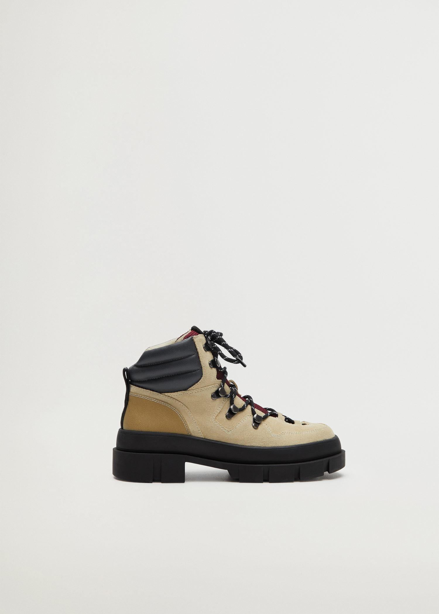 Leather mountain boots