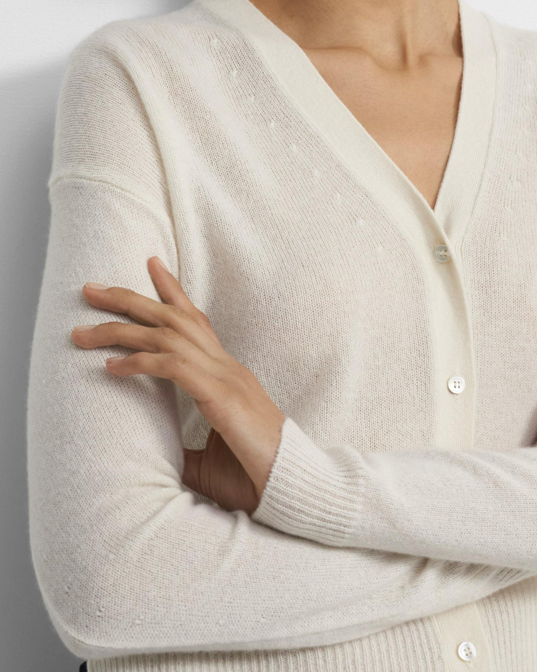 Cropped Cardigan in Feather Cashmere 1