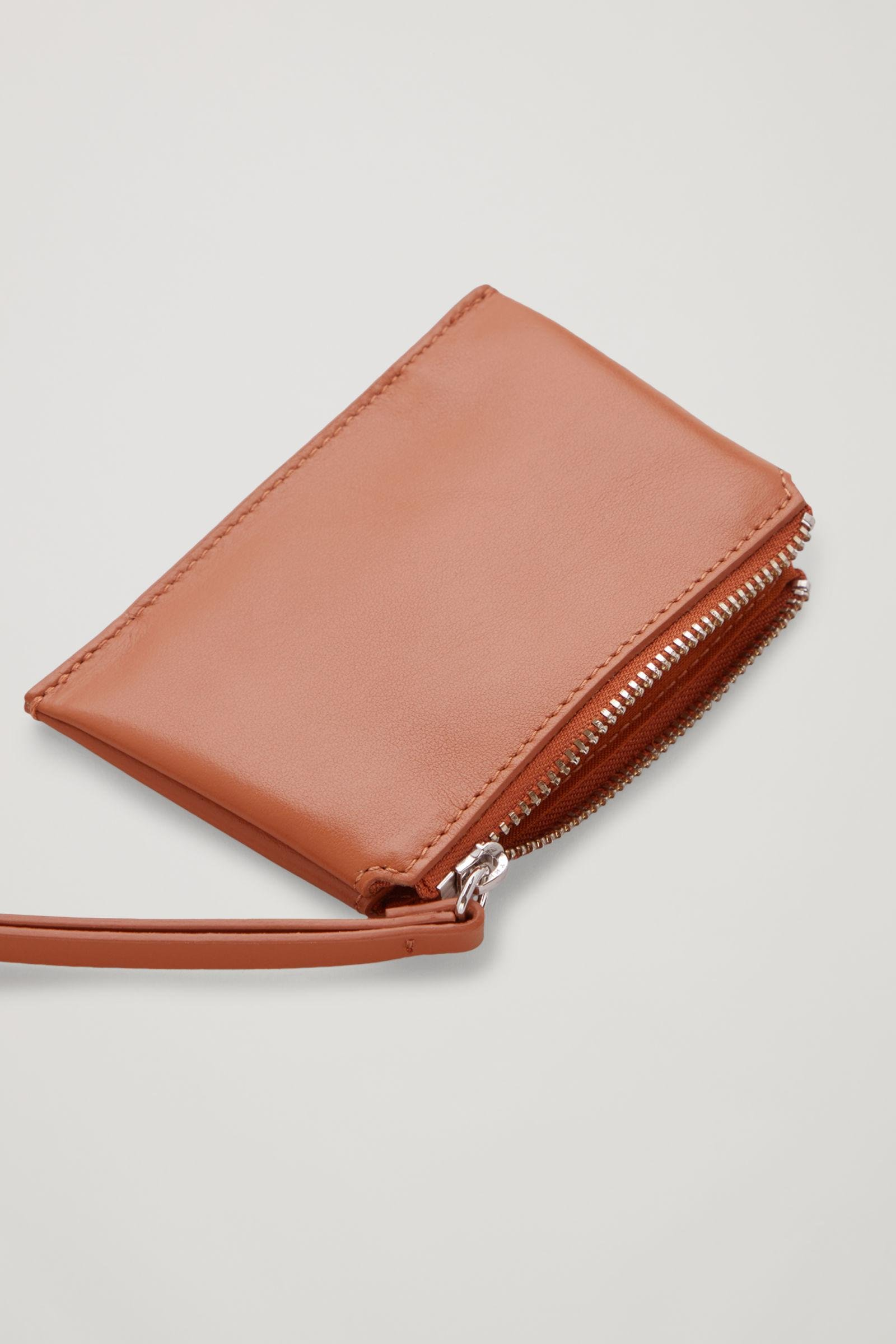 LEATHER COIN PURSE 1