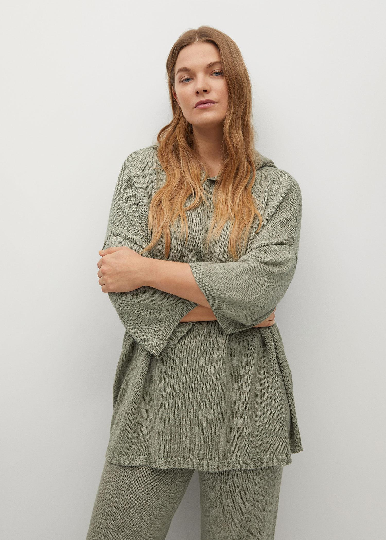 Oversized hooded sweater 1