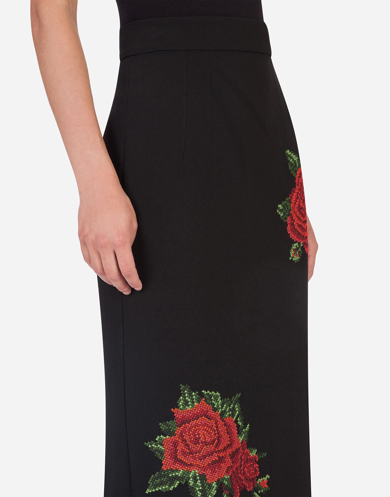 Pencil skirt with rose embroidery 5