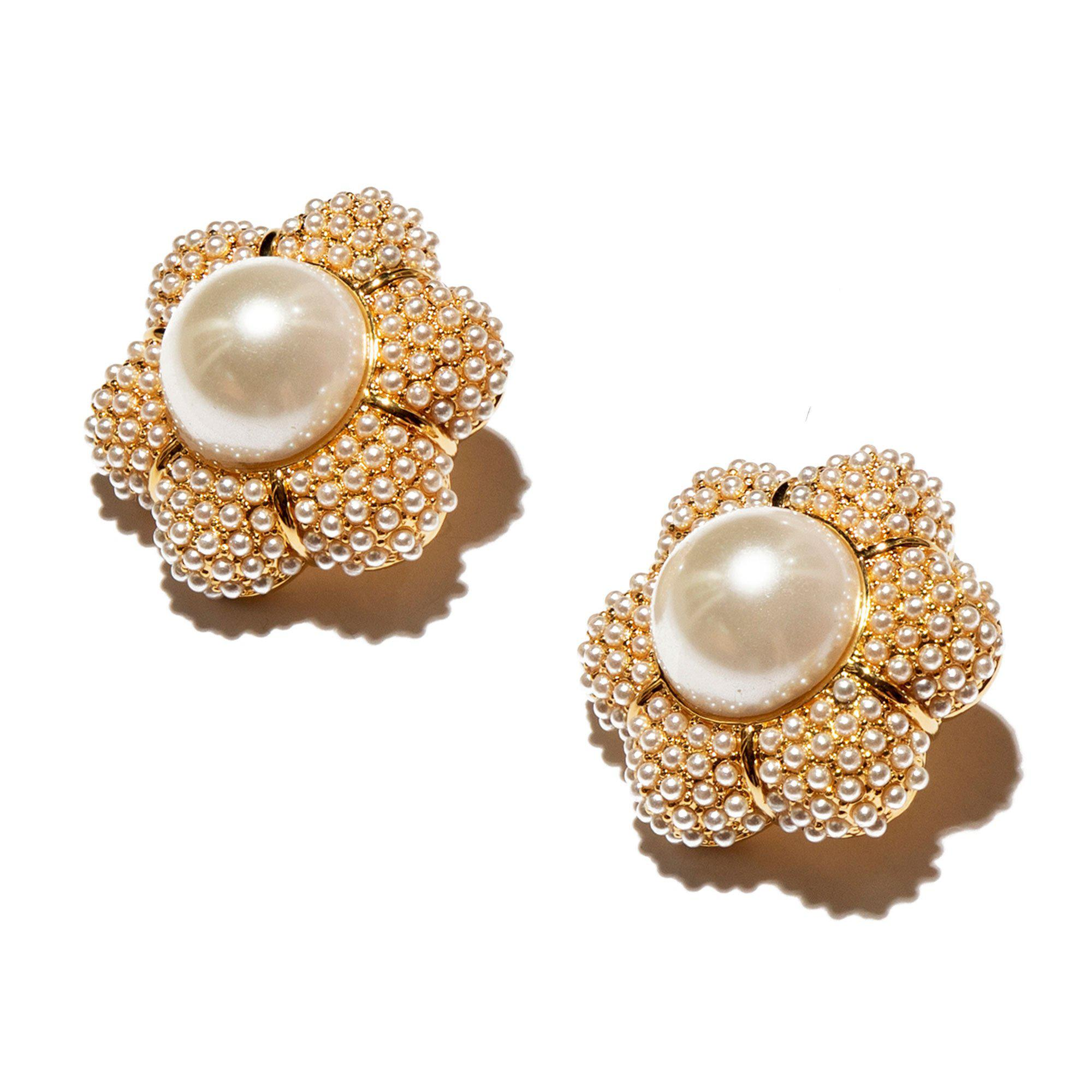 IVORY PEARL CARNATION BUTTON EARRINGS