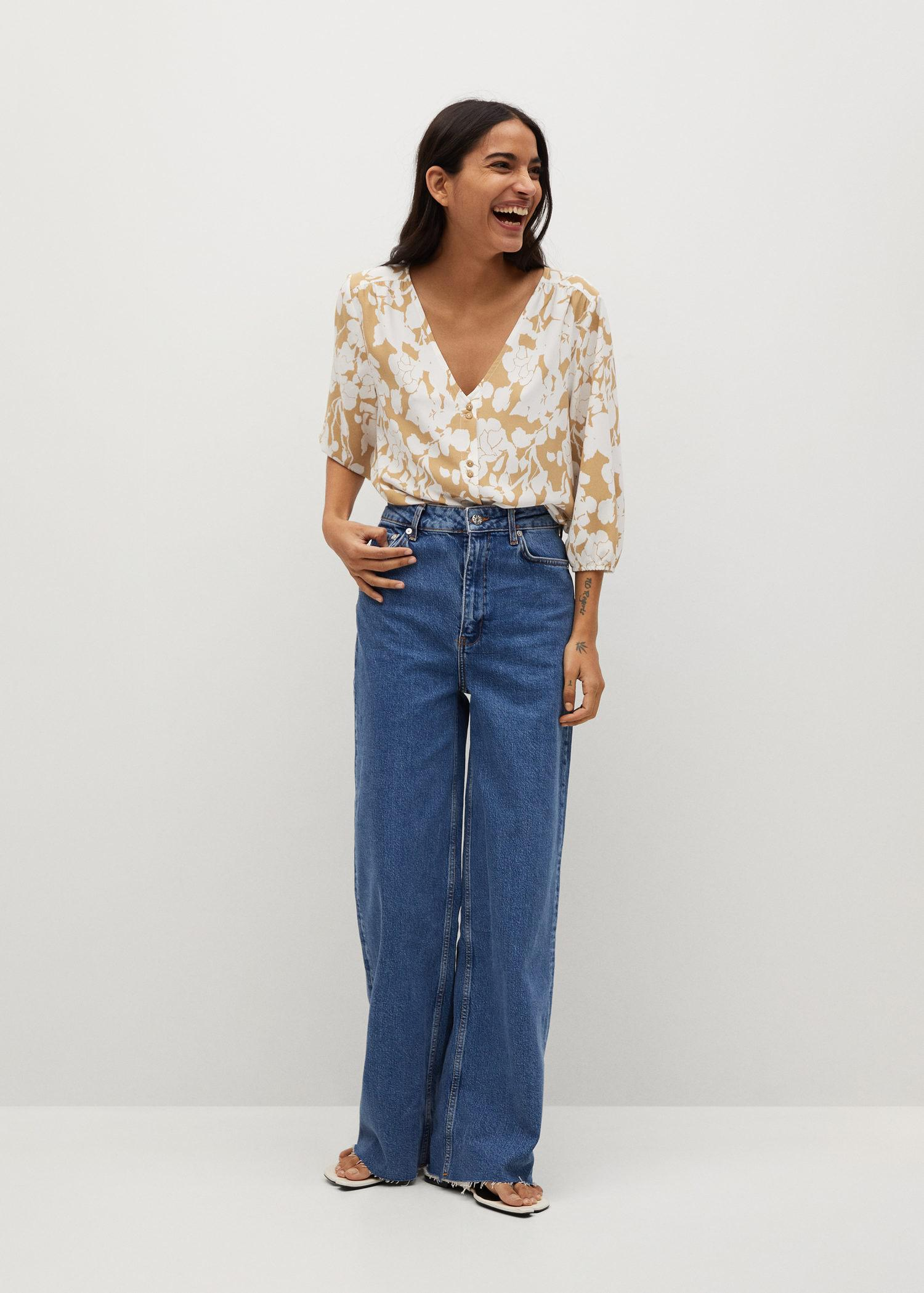 Buttoned flowy blouse 1