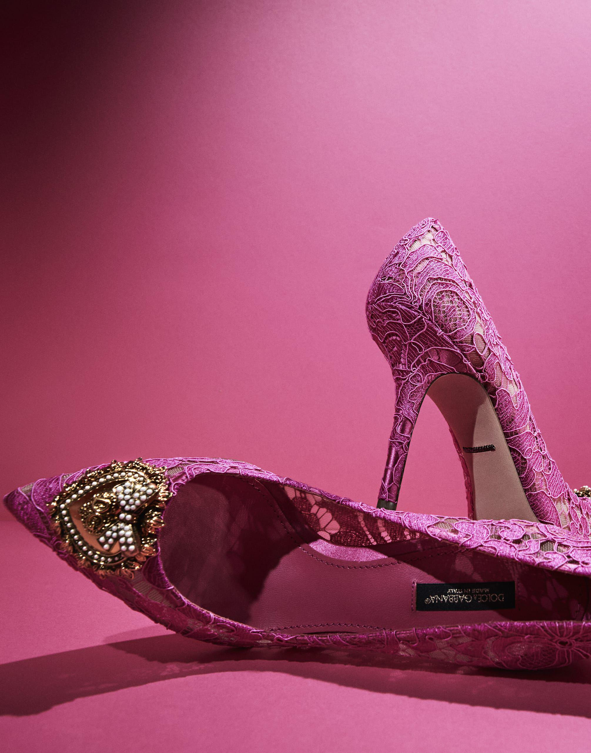 Taormina lace pumps with Devotion heart 4