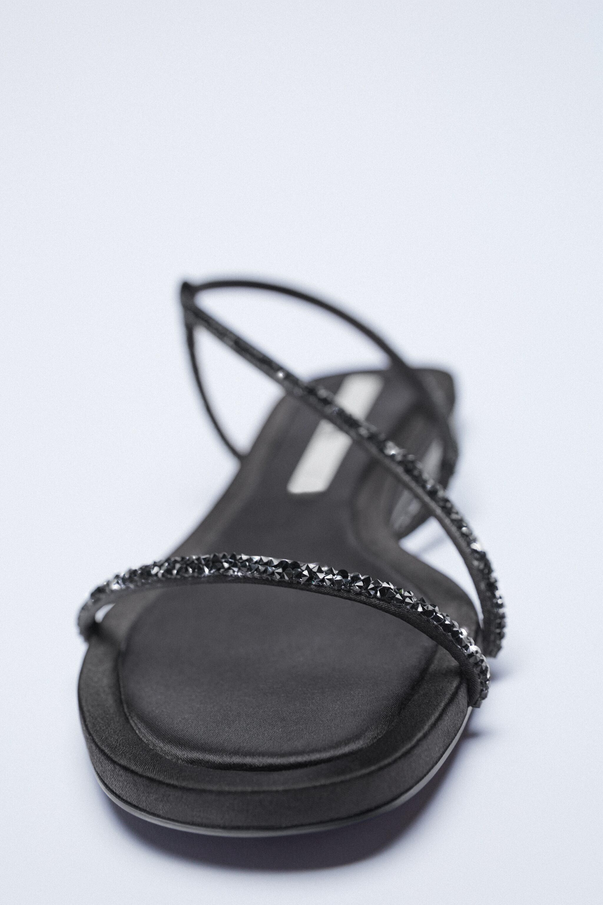 SPARKLY LOW HEELED SANDALS 6