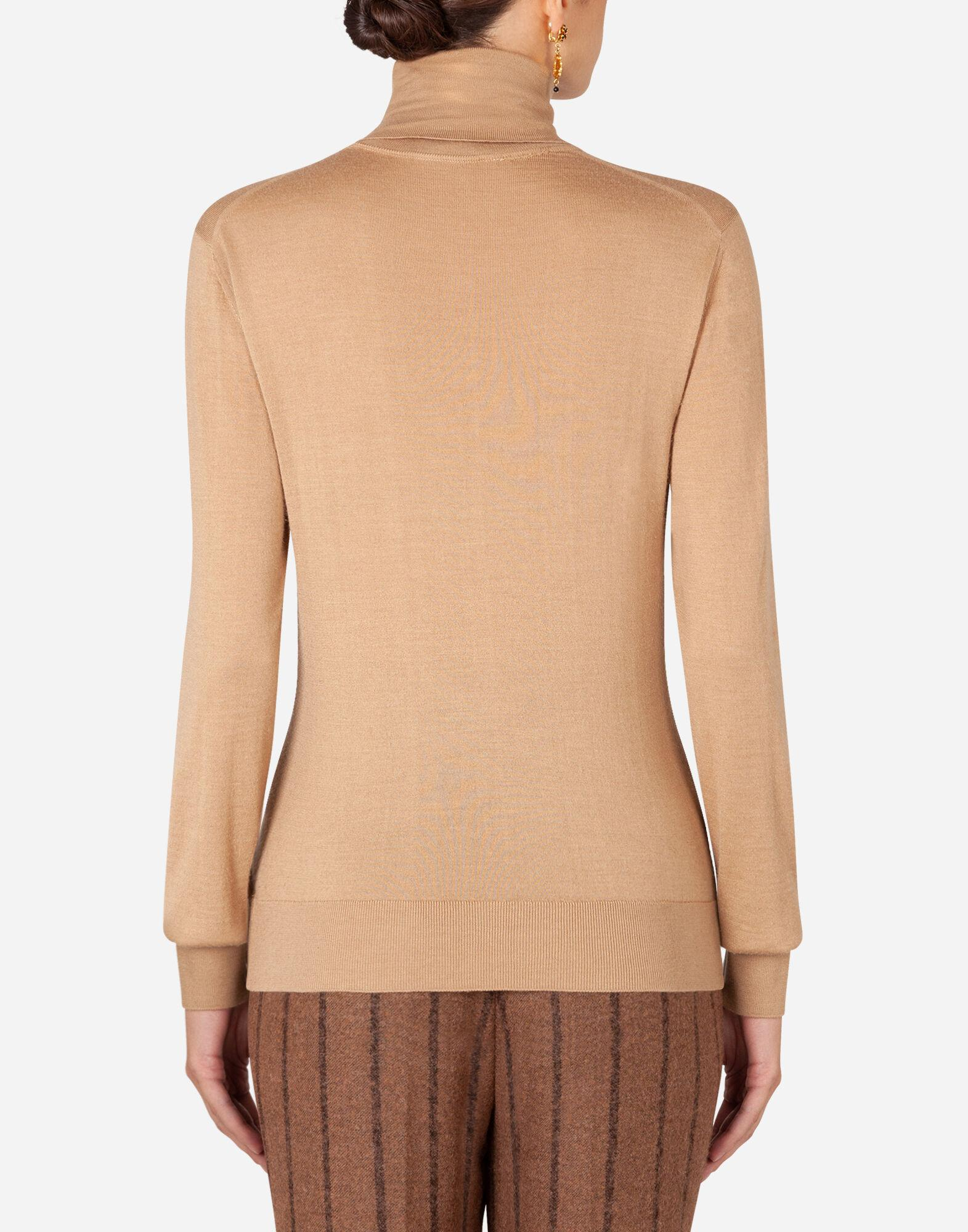 Cashmere and silk turtle-neck sweater 1
