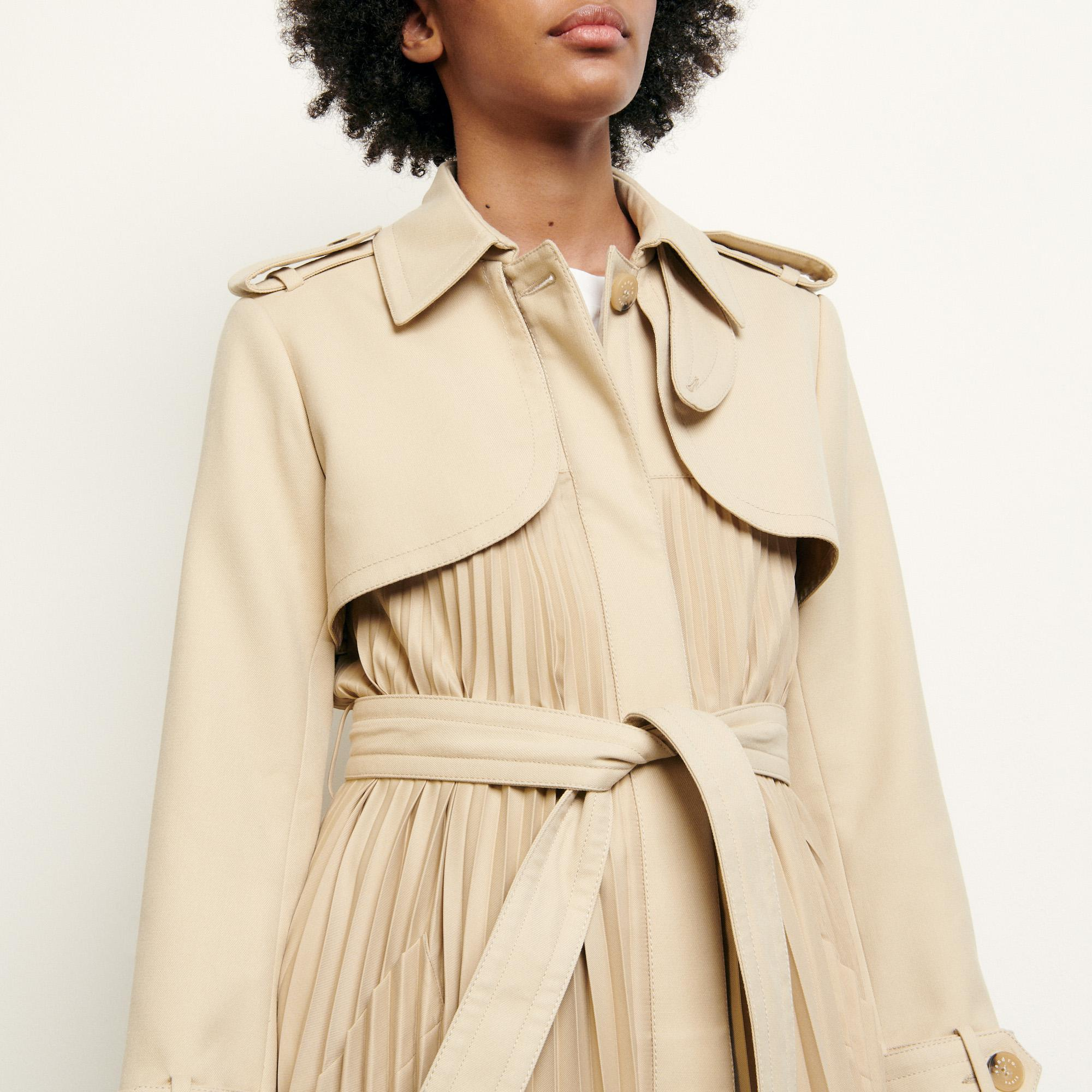 Pleated trench coat with belt 3