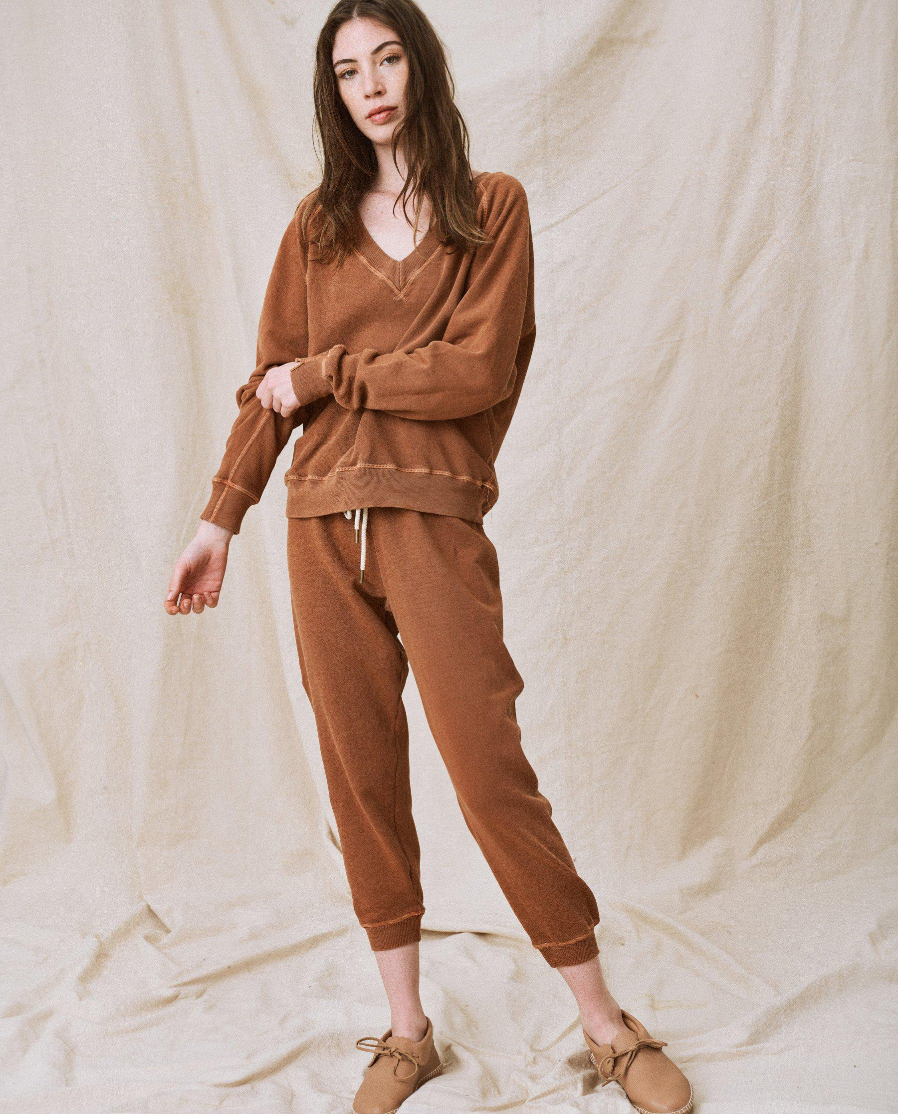 The Cropped Sweatpant. Solid -- Rust