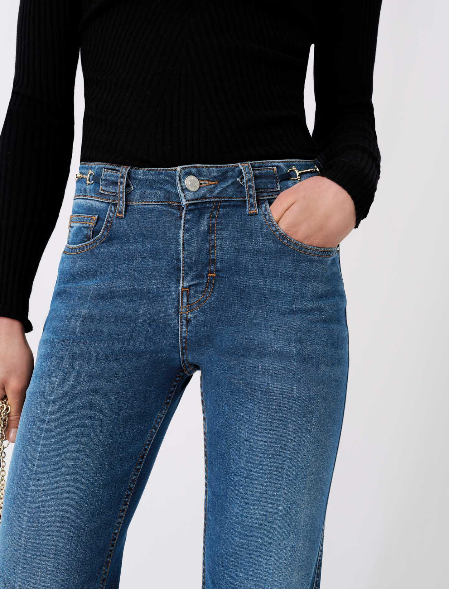 FLARED JEANS WITH HORSEBIT DETAIL 3