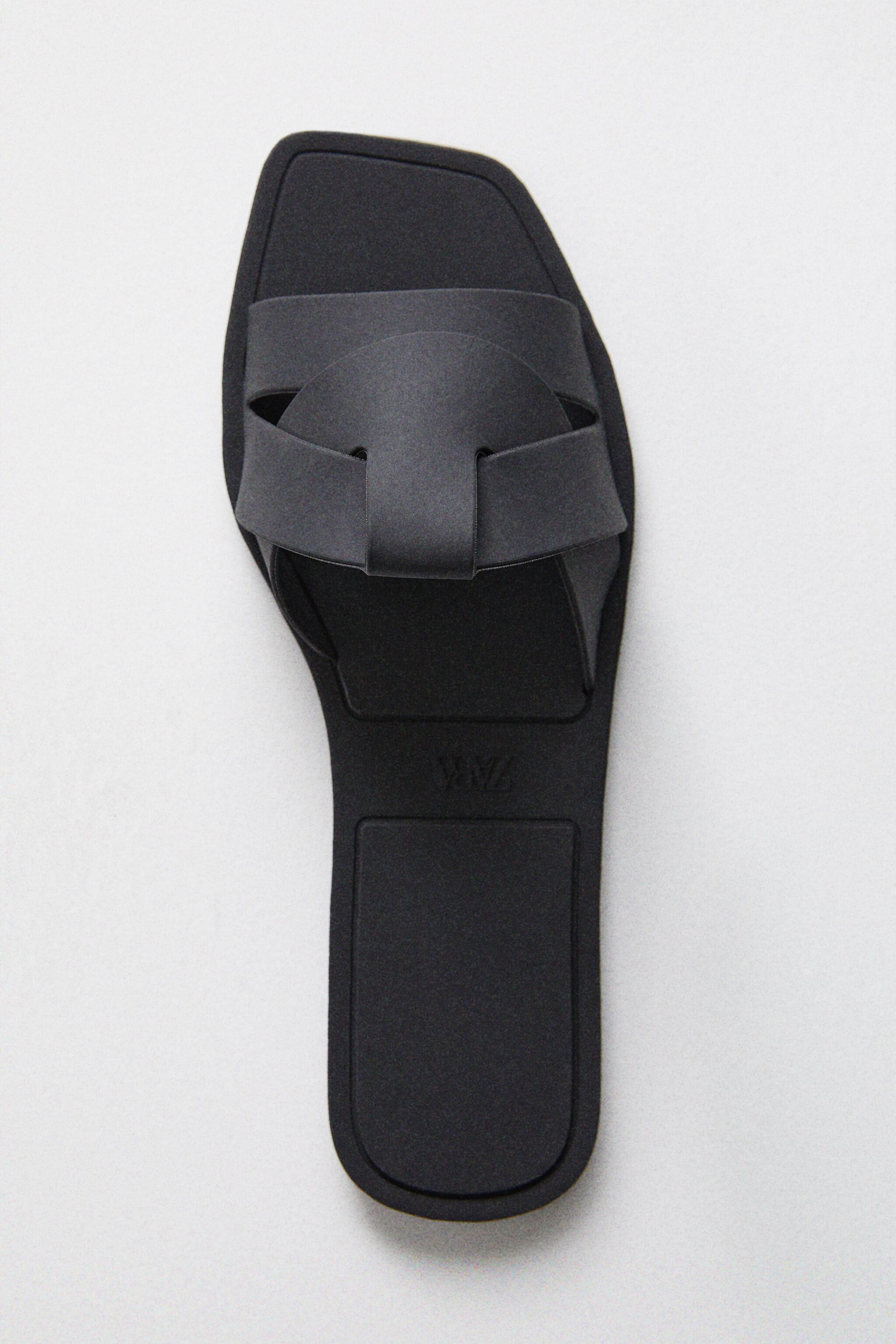 SLIDE SANDALS WITH CROSSOVER RUBBERIZED STRAPS