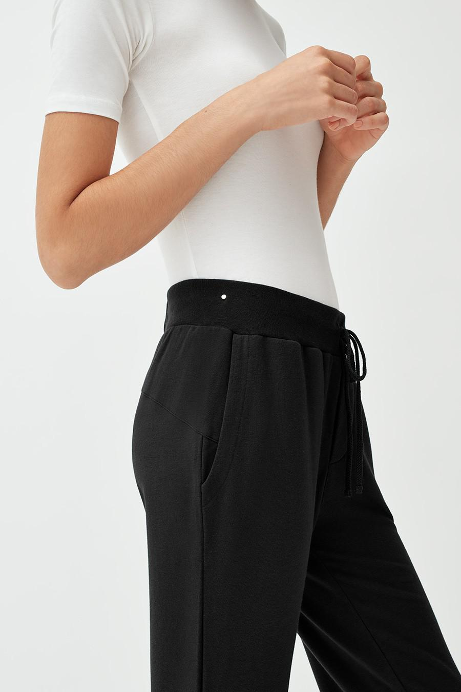 Women's French Terry Tapered Lounge Pant in Black | Size: 2