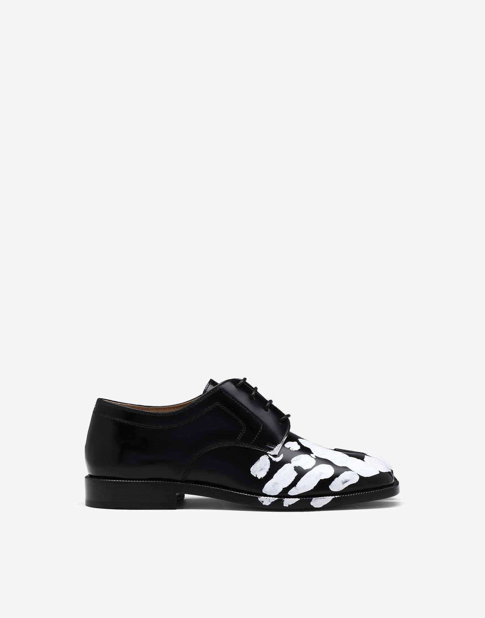Tabi hand-painted lace-up shoes