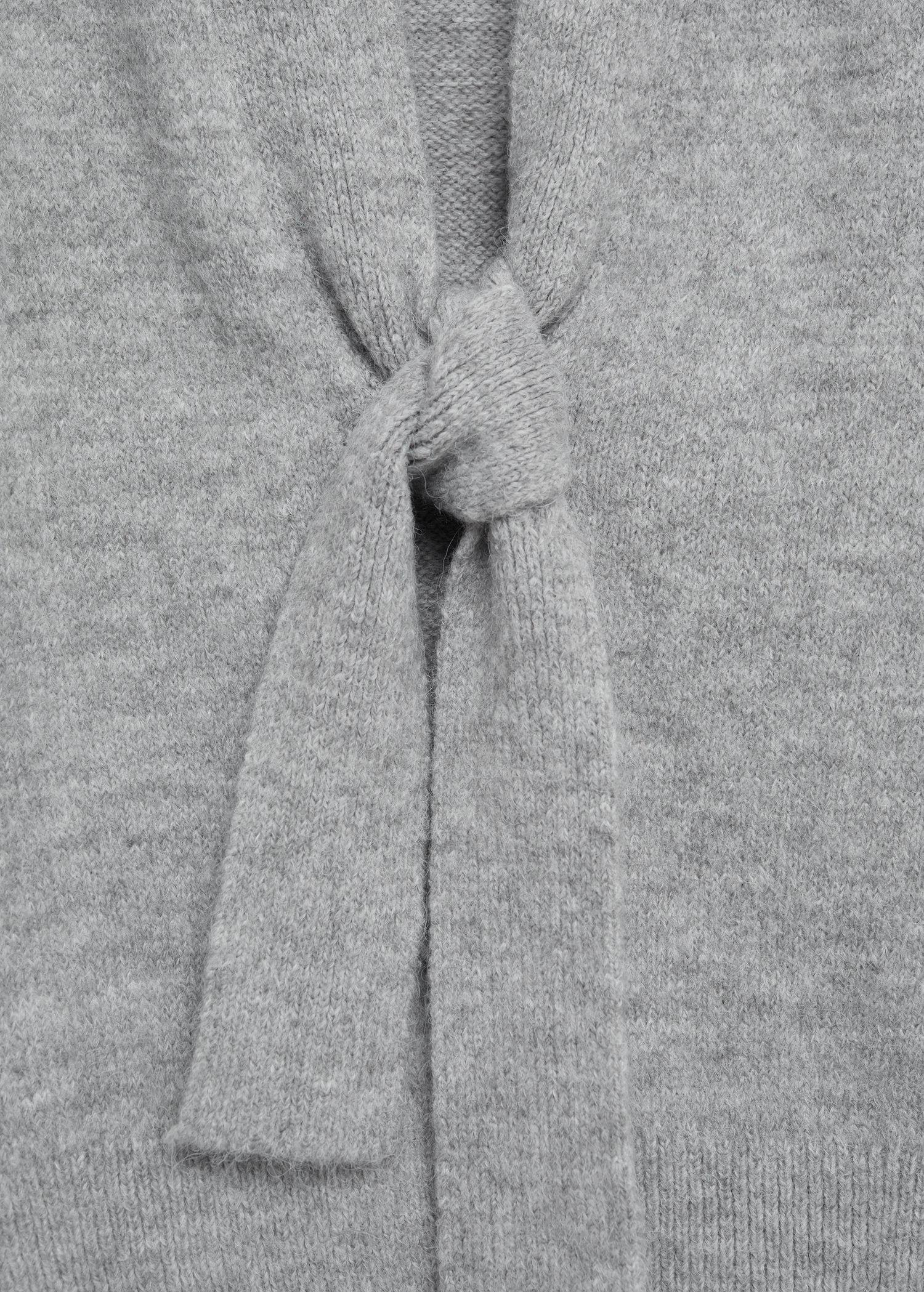 Knitted cardigan with belt 7