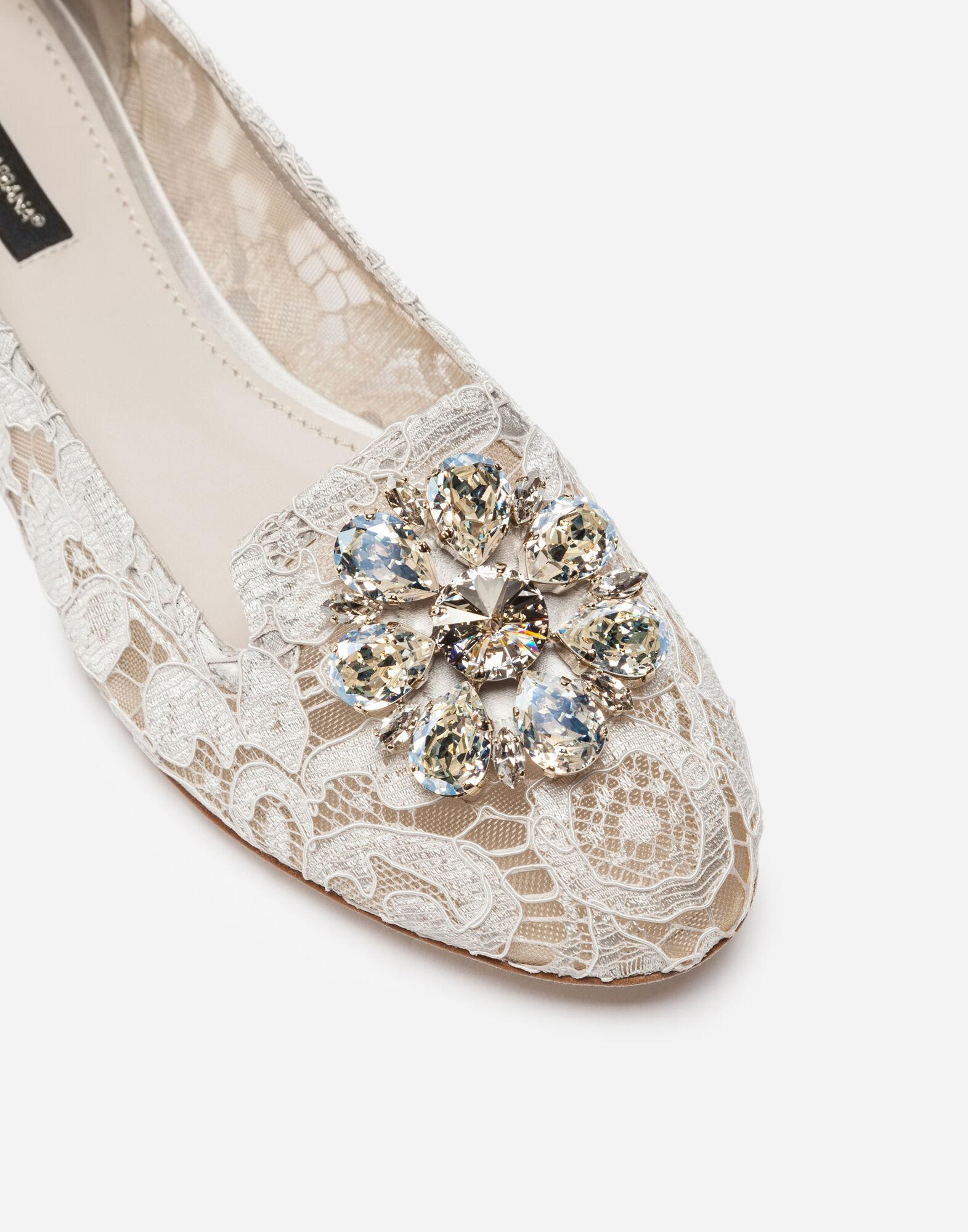 Slipper in Taormina lace with crystals 1