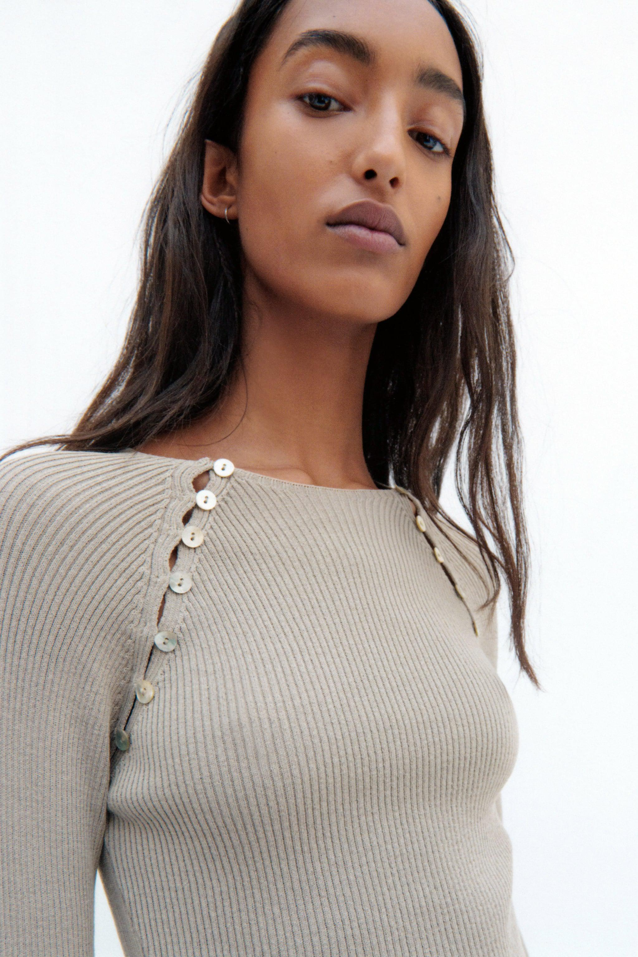 KNIT SWEATER WITH BUTTONS 1