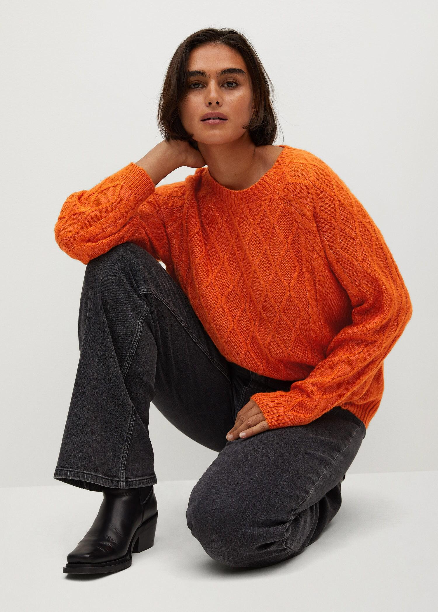 Cable-knit sweater 4