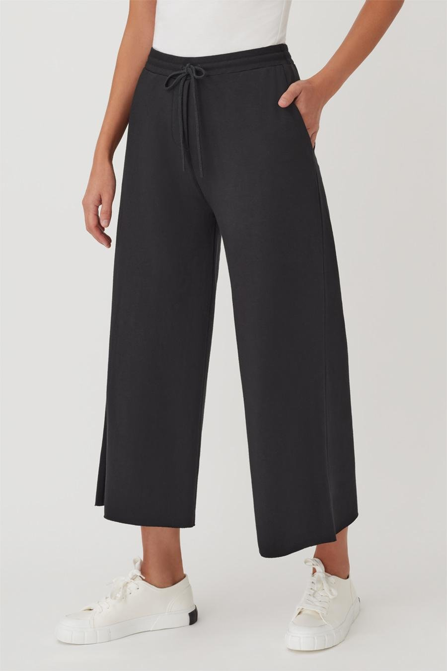 Women's French Terry Wide-Leg Cropped Pant in Black   Size: 1