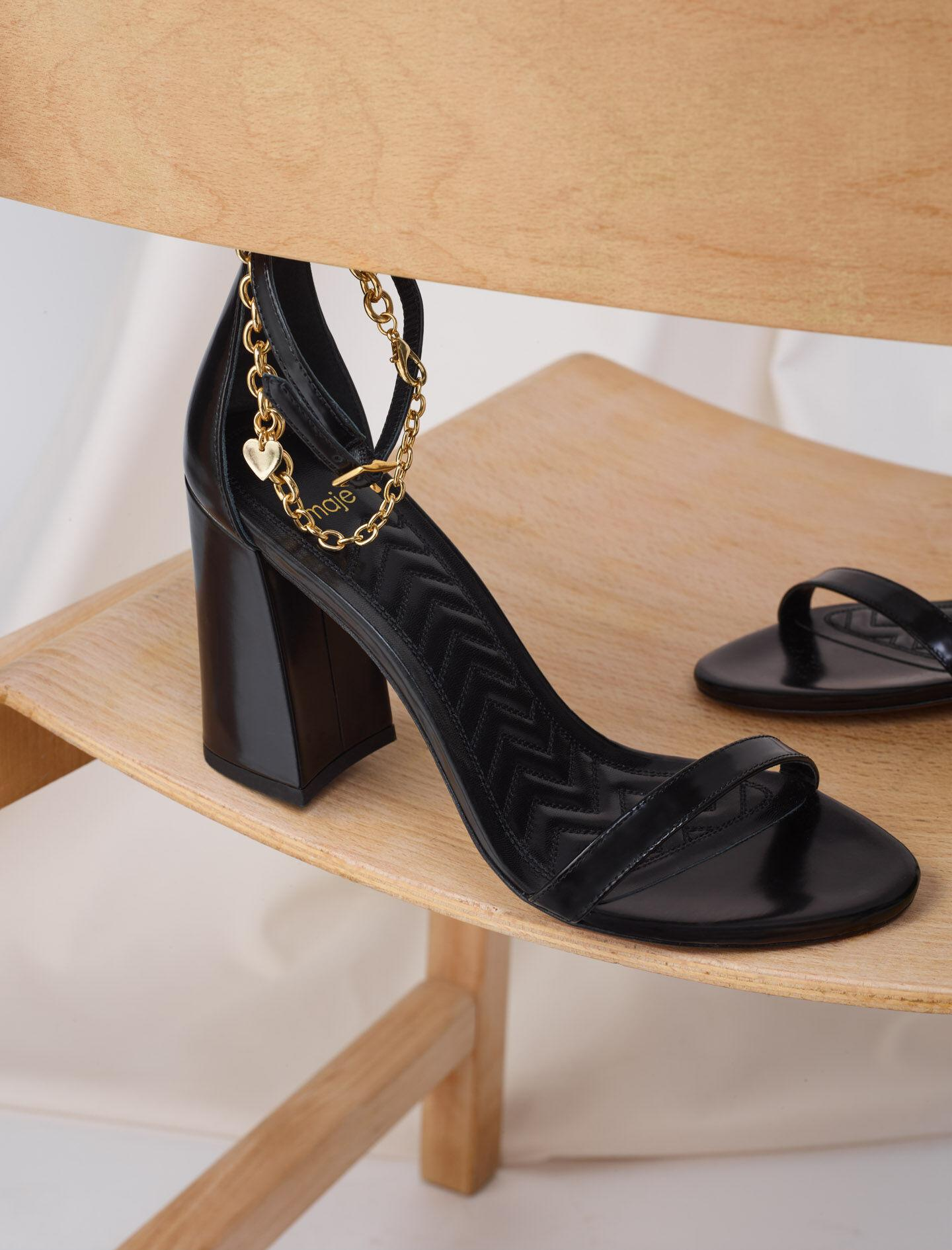 HIGH HEEL SANDALS WITH GOLD-TONE CHAIN 3